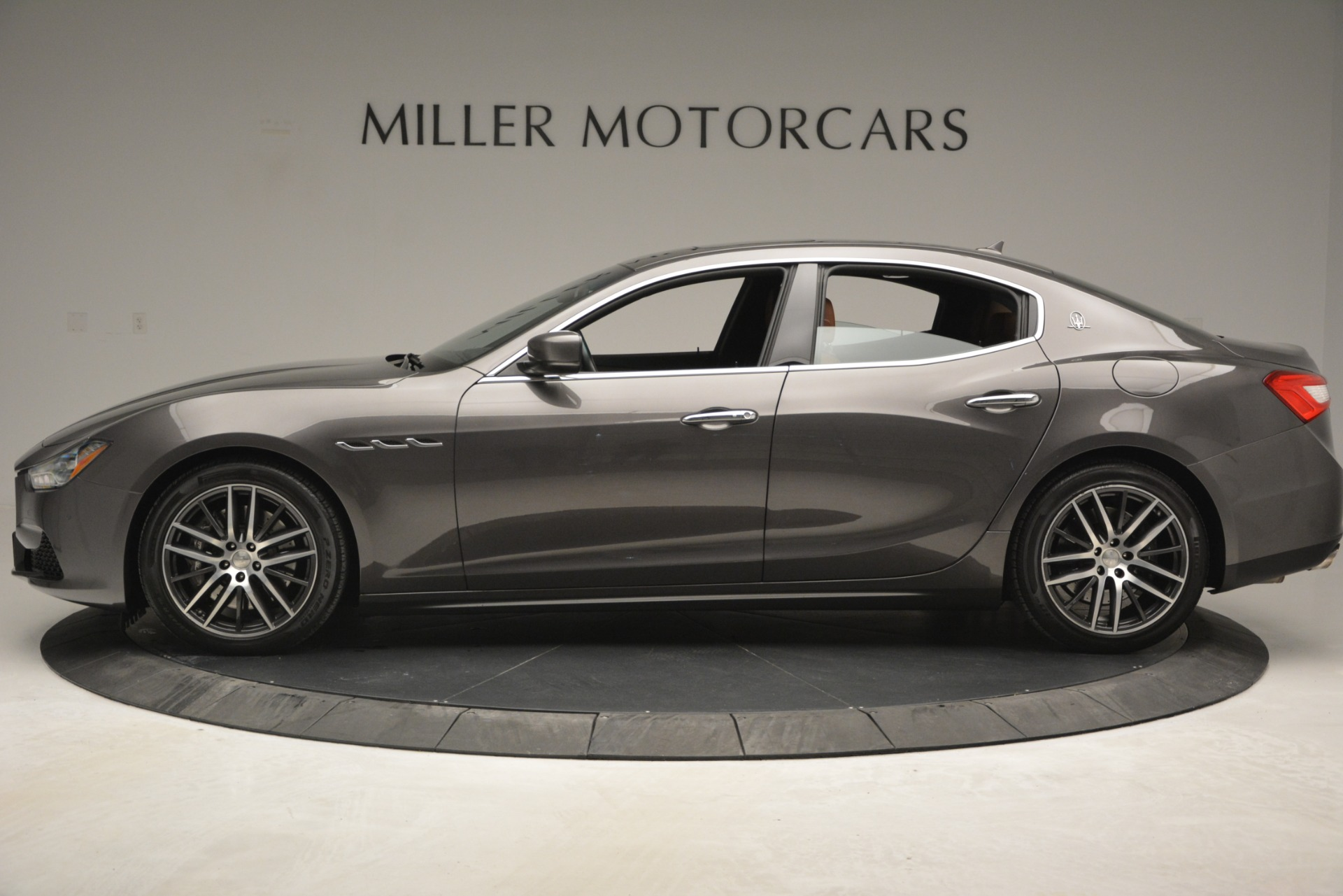 Used 2015 Maserati Ghibli S Q4 For Sale In Greenwich, CT. Alfa Romeo of Greenwich, 7483 2941_p3