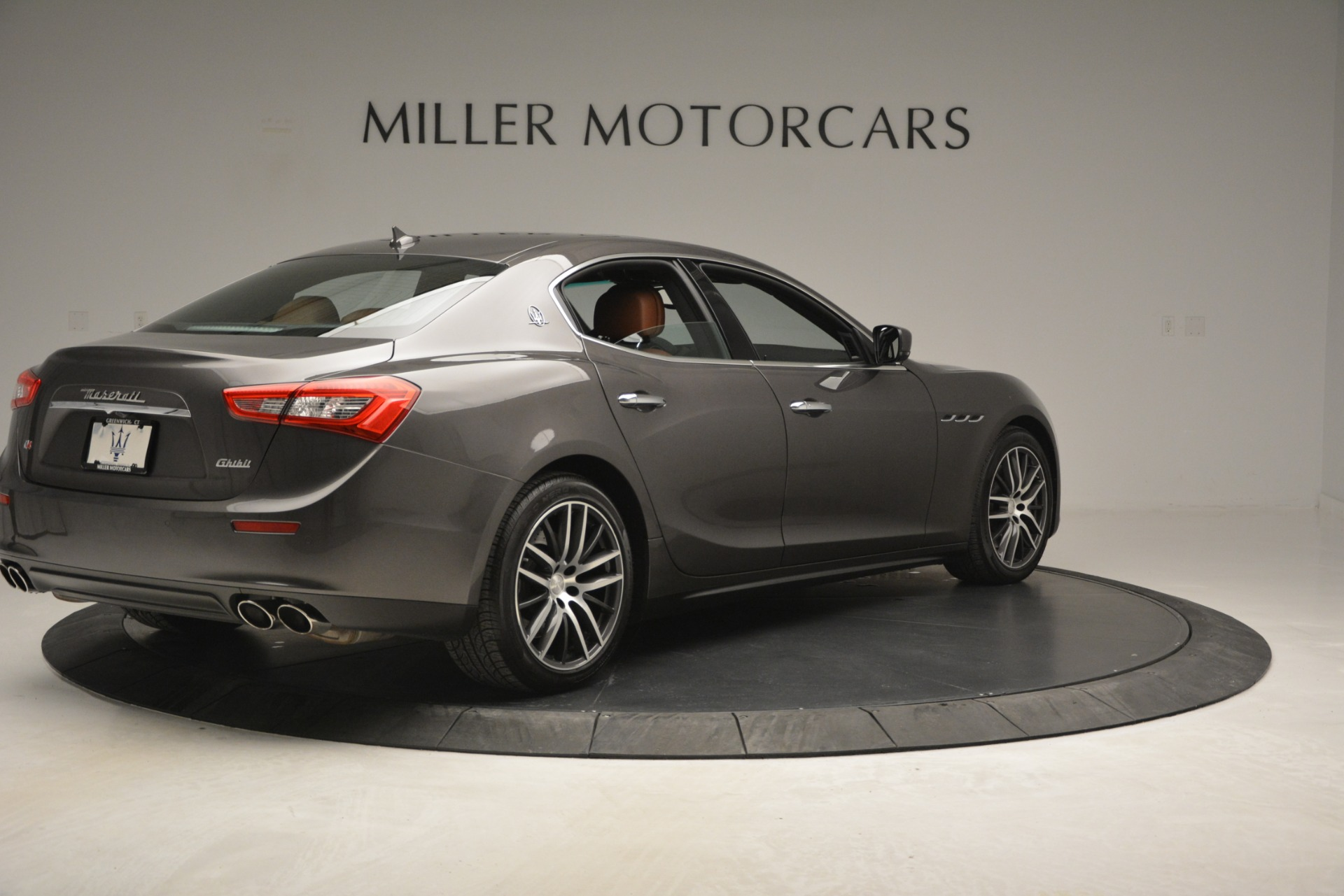 Used 2015 Maserati Ghibli S Q4 For Sale In Greenwich, CT. Alfa Romeo of Greenwich, 7483 2941_p9