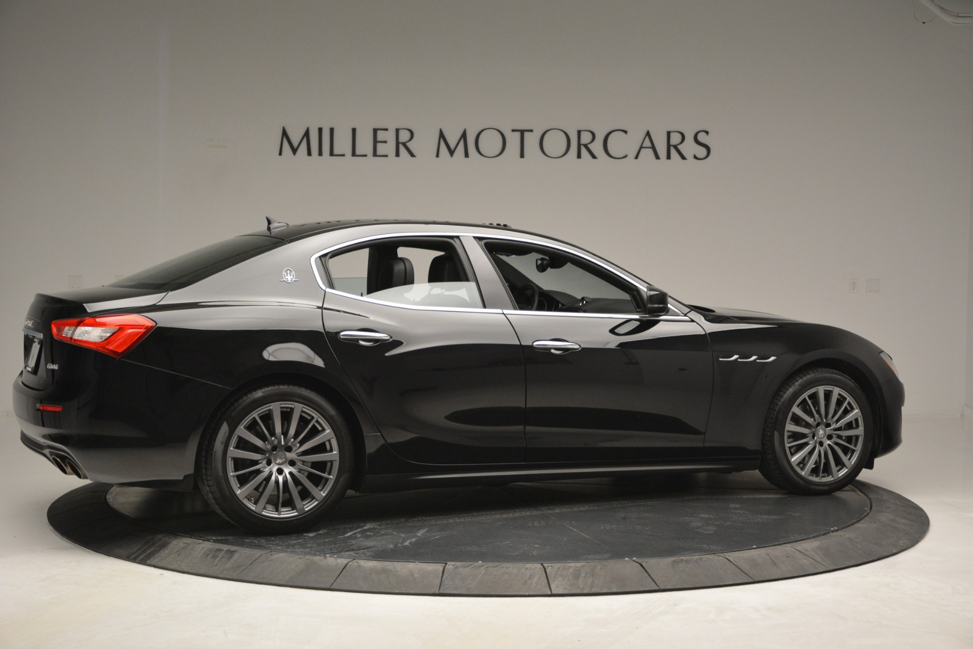 Used 2018 Maserati Ghibli S Q4 For Sale In Greenwich, CT. Alfa Romeo of Greenwich, 7481 2944_p11