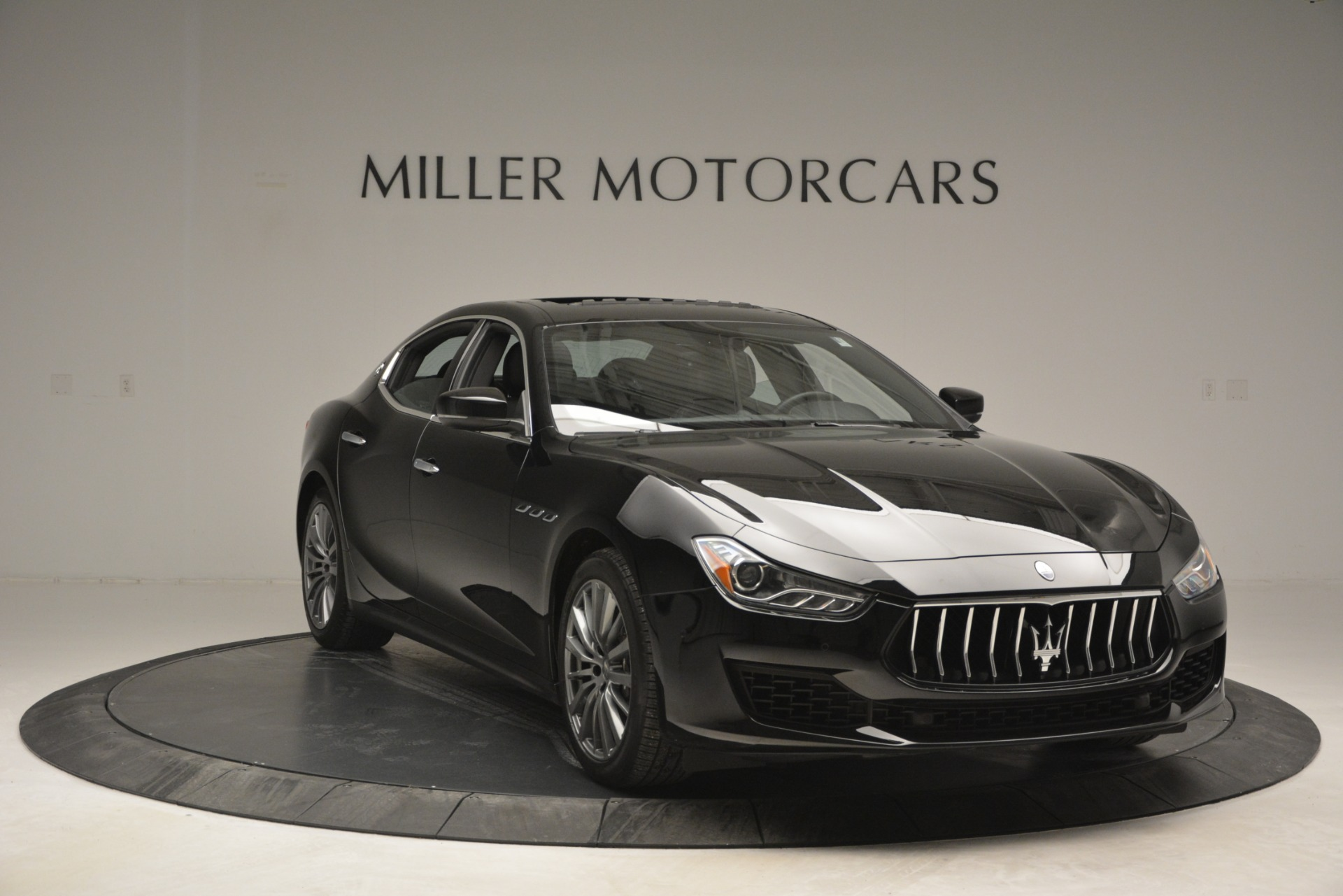 Used 2018 Maserati Ghibli S Q4 For Sale $58900 In Greenwich, CT 2944_p15