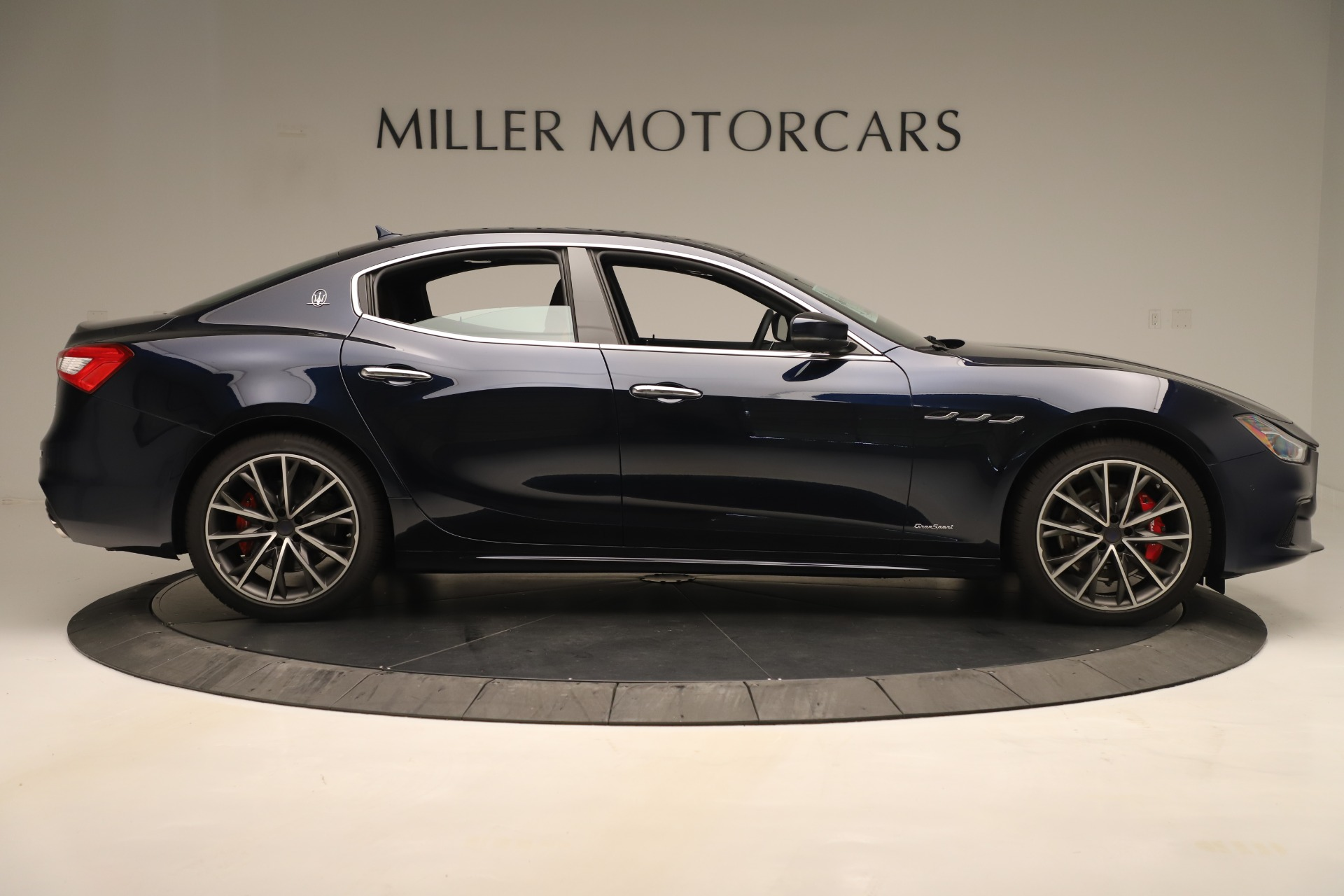 New 2019 Maserati Ghibli S Q4 GranSport For Sale In Greenwich, CT. Alfa Romeo of Greenwich, M2265 2949_p9