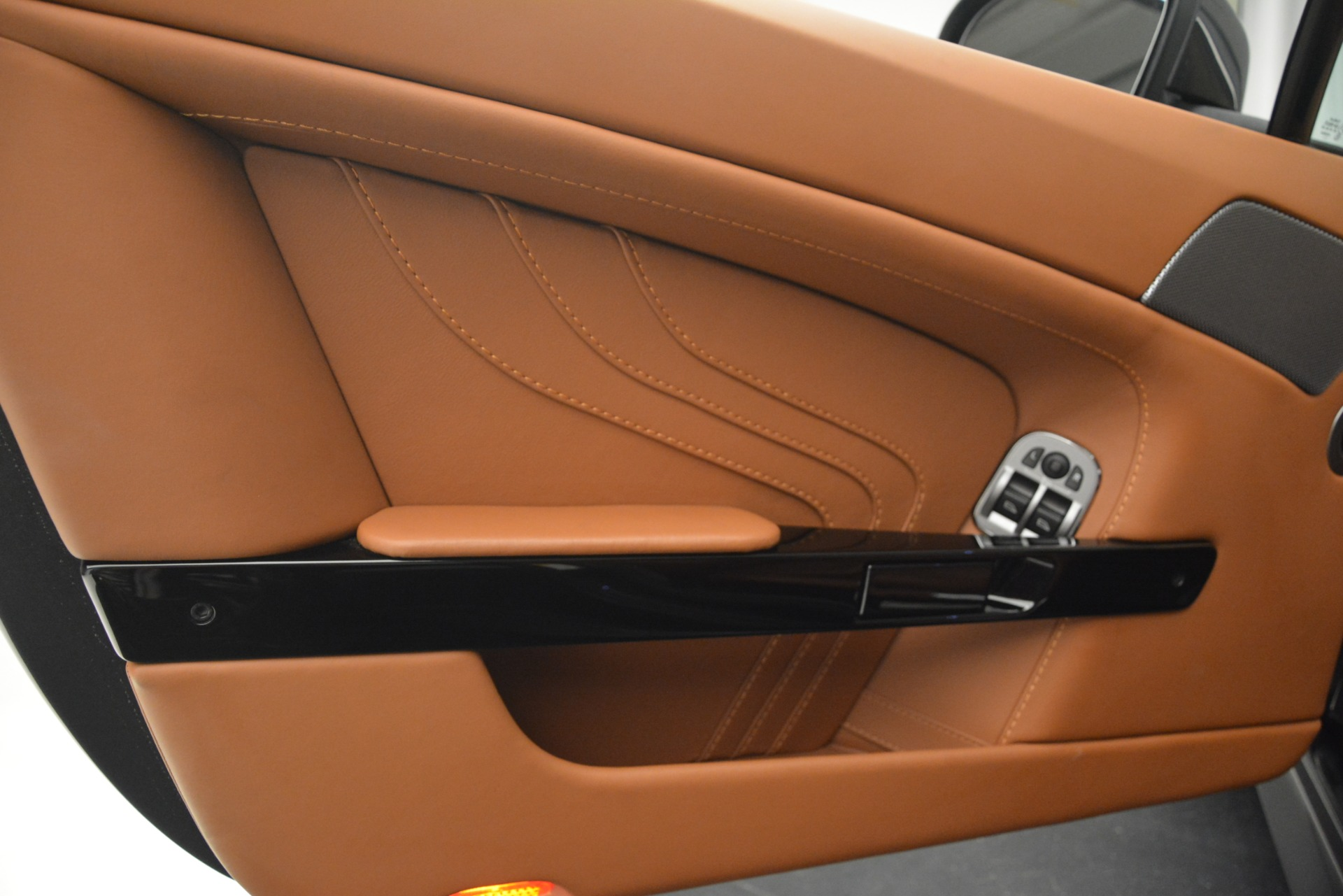 Used 2012 Aston Martin V8 Vantage S Coupe For Sale In Greenwich, CT. Alfa Romeo of Greenwich, 7486 2951_p15