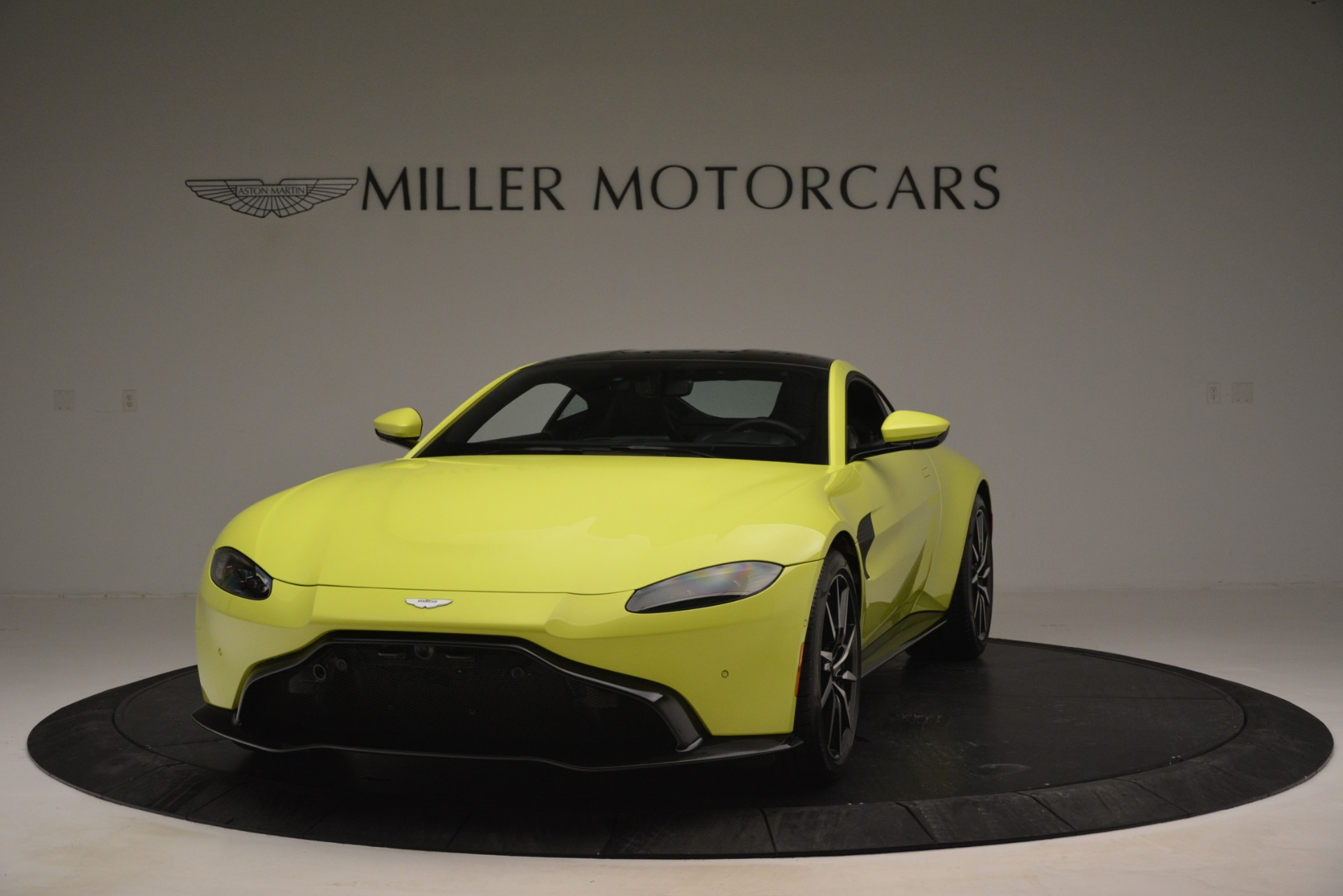 Used 2019 Aston Martin Vantage  For Sale In Greenwich, CT. Alfa Romeo of Greenwich, 7467 2958_main