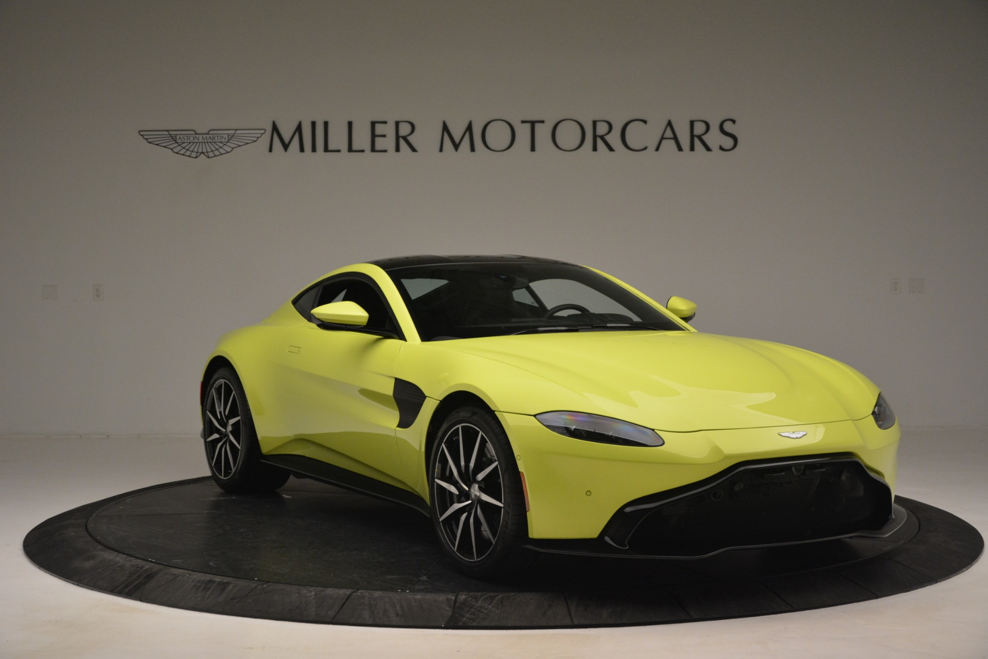 Used 2019 Aston Martin Vantage  For Sale In Greenwich, CT. Alfa Romeo of Greenwich, 7467 2958_p11