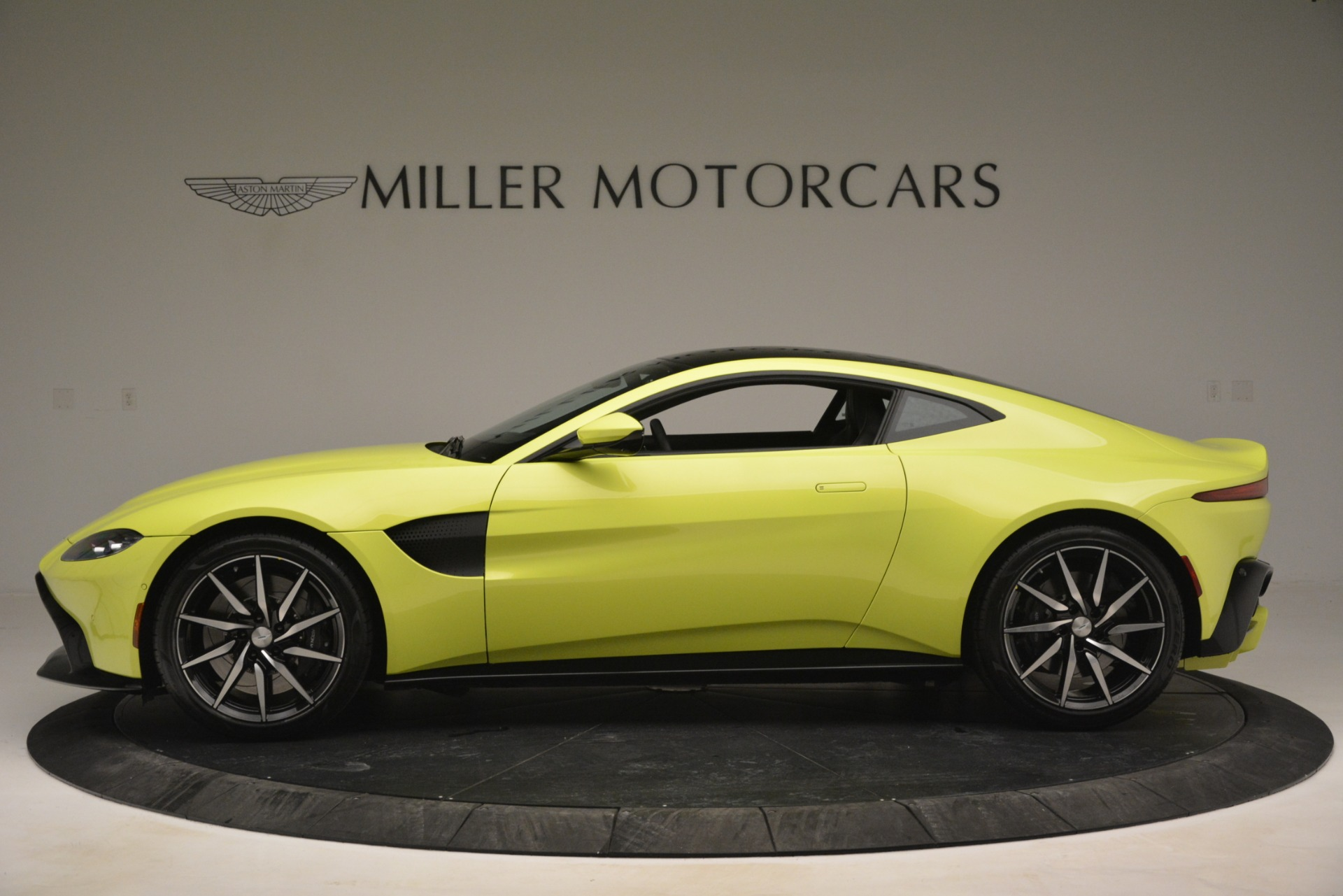 Used 2019 Aston Martin Vantage  For Sale In Greenwich, CT. Alfa Romeo of Greenwich, 7467 2958_p3