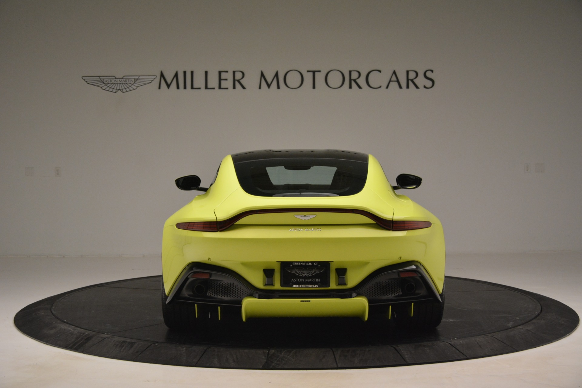 Used 2019 Aston Martin Vantage  For Sale In Greenwich, CT. Alfa Romeo of Greenwich, 7467 2958_p6