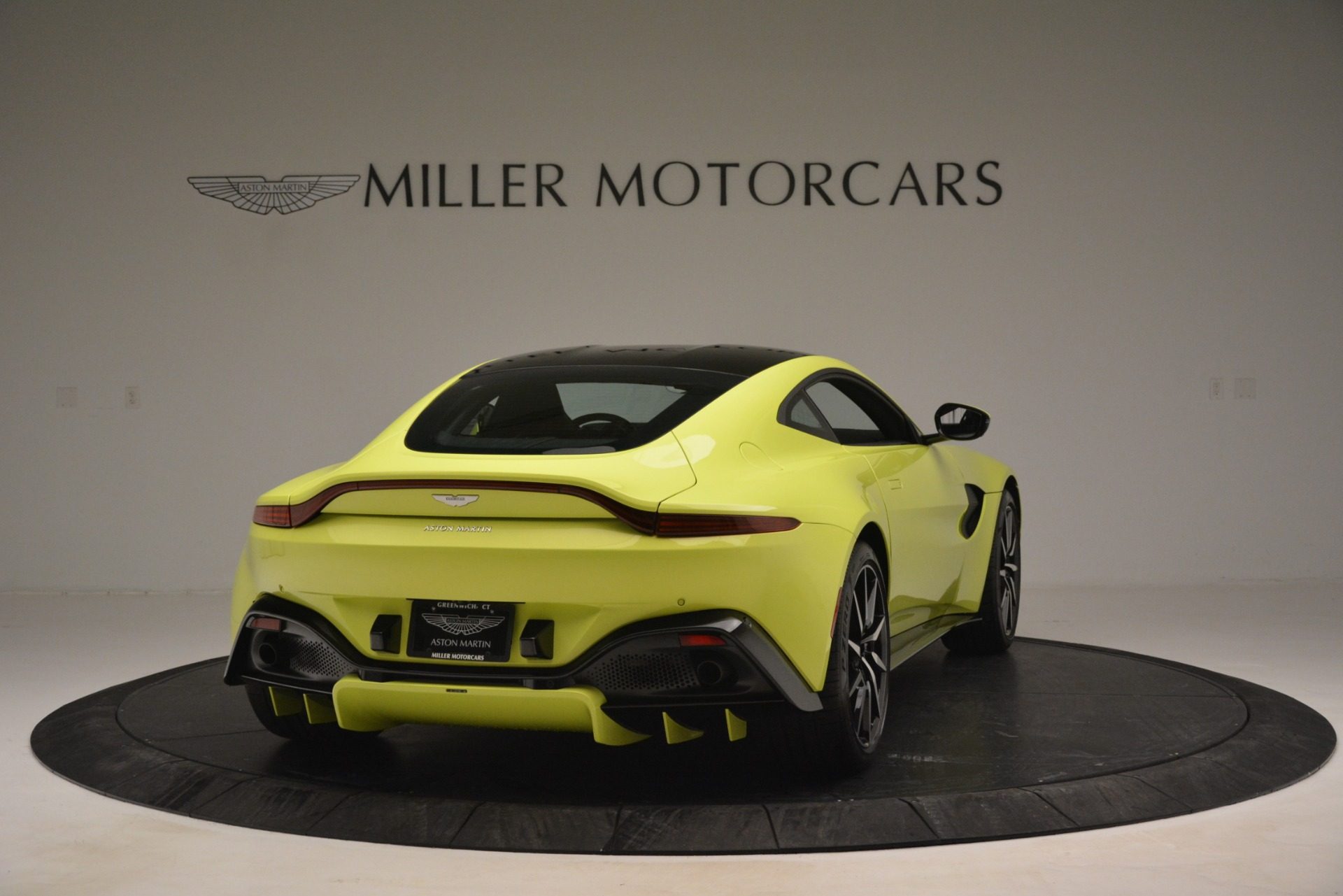 Used 2019 Aston Martin Vantage  For Sale In Greenwich, CT. Alfa Romeo of Greenwich, 7467 2958_p7