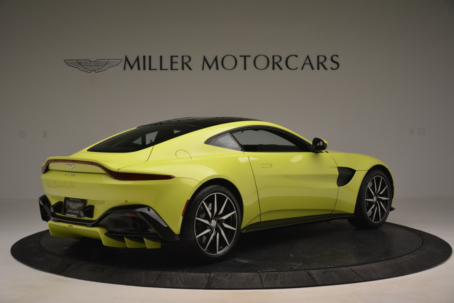 Used 2019 Aston Martin Vantage  For Sale In Greenwich, CT. Alfa Romeo of Greenwich, 7467 2958_p8