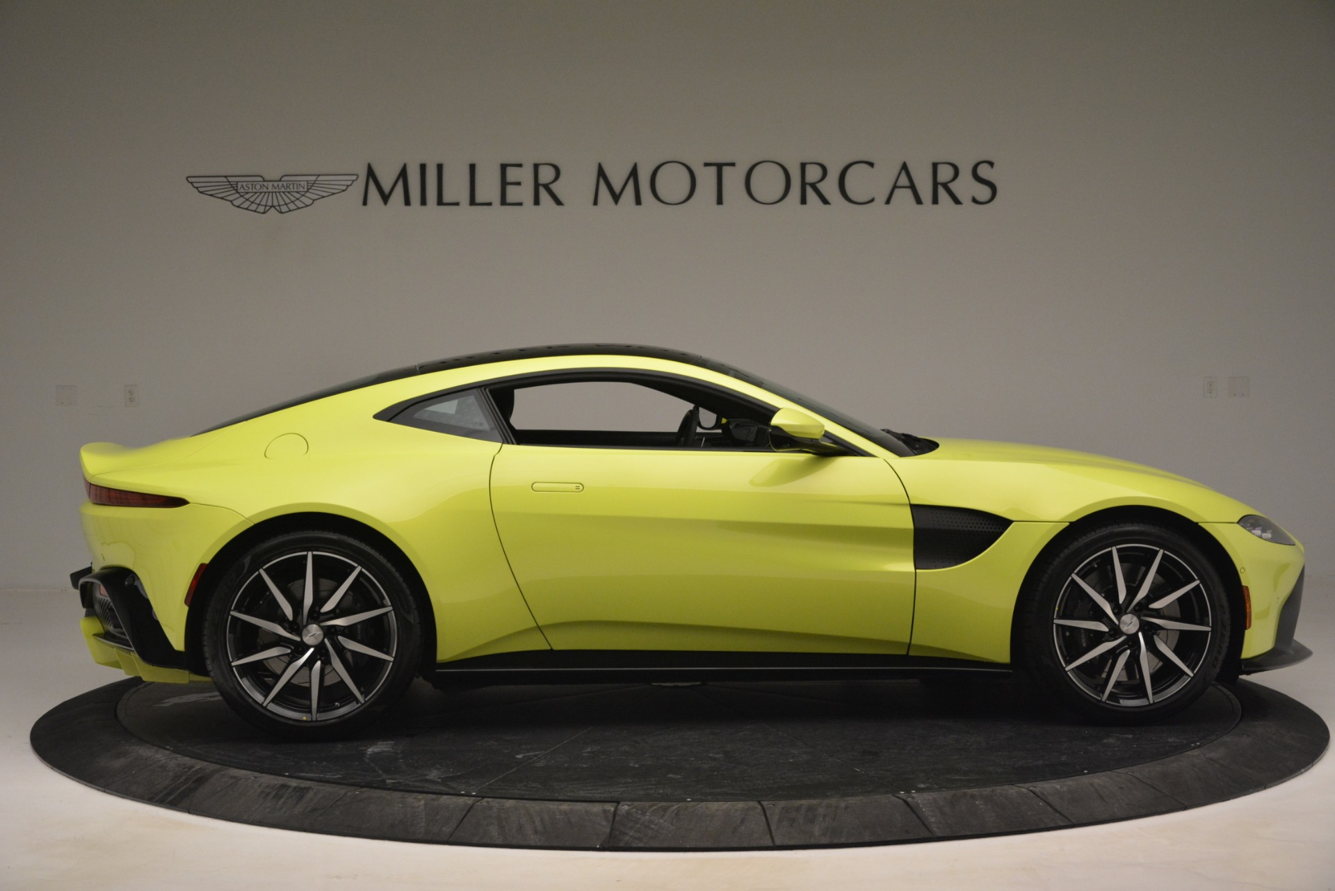 Used 2019 Aston Martin Vantage  For Sale In Greenwich, CT. Alfa Romeo of Greenwich, 7467 2958_p9