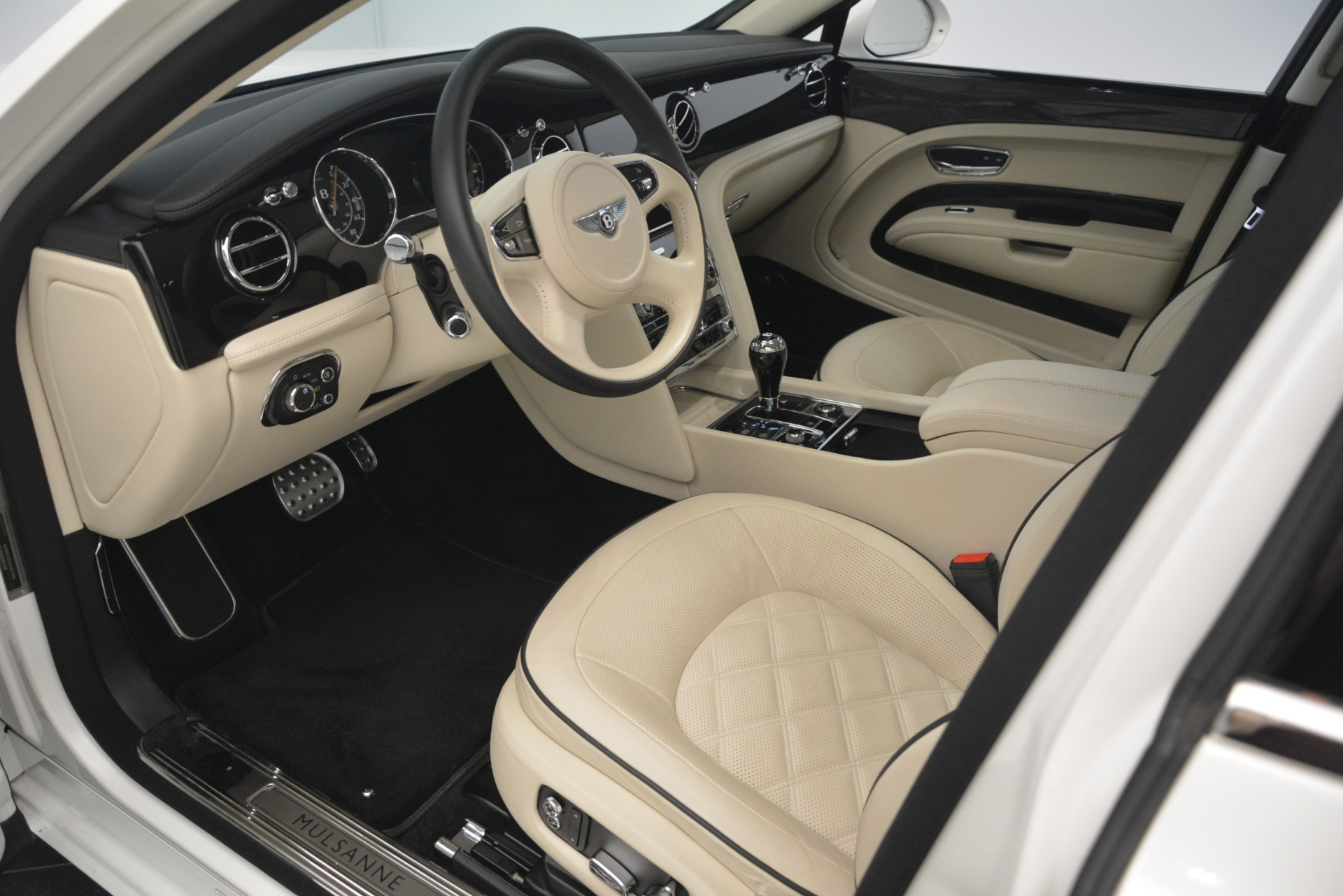 Used 2016 Bentley Mulsanne Speed For Sale In Greenwich, CT. Alfa Romeo of Greenwich, 7491 2960_p17