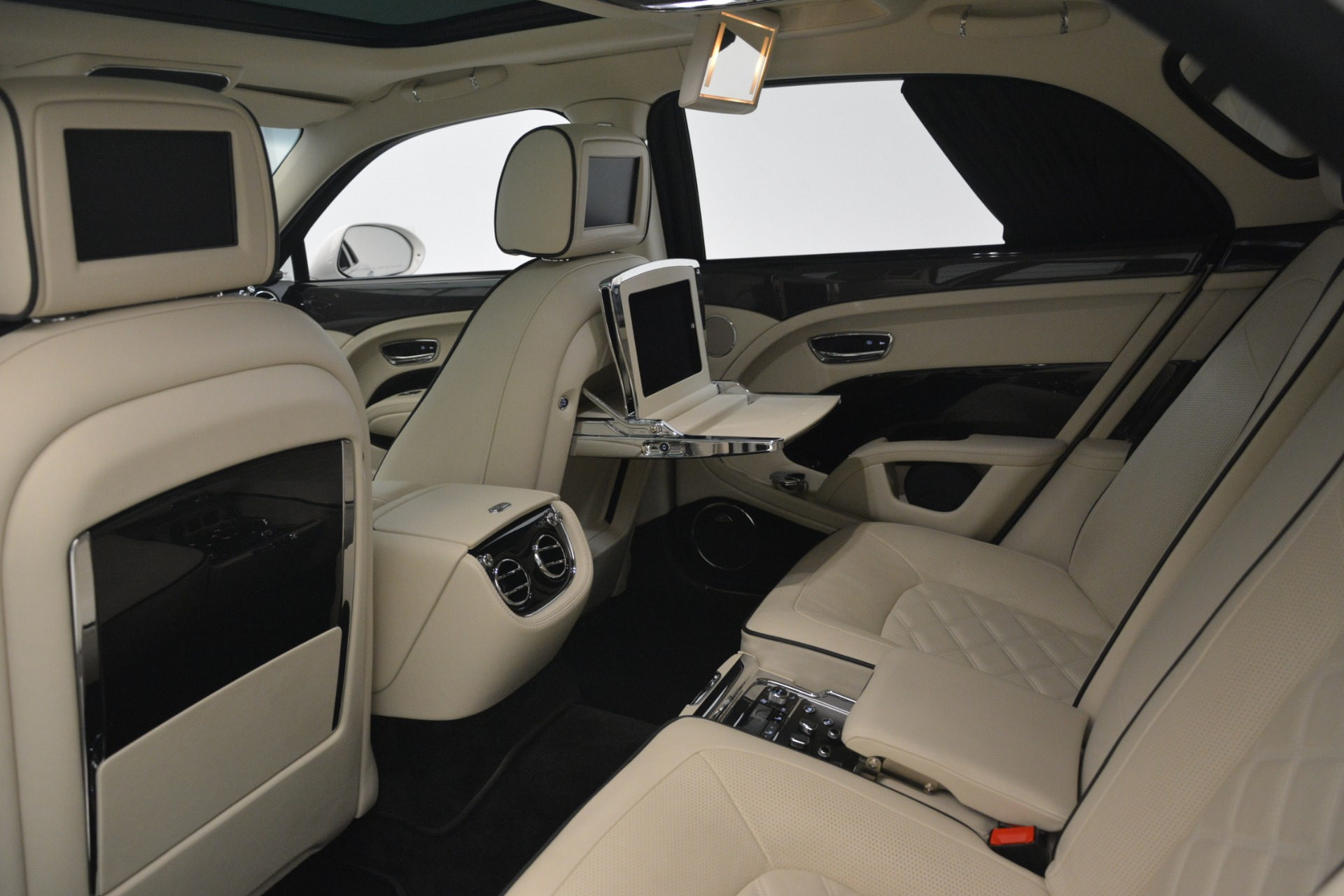Used 2016 Bentley Mulsanne Speed For Sale In Greenwich, CT. Alfa Romeo of Greenwich, 7491 2960_p26