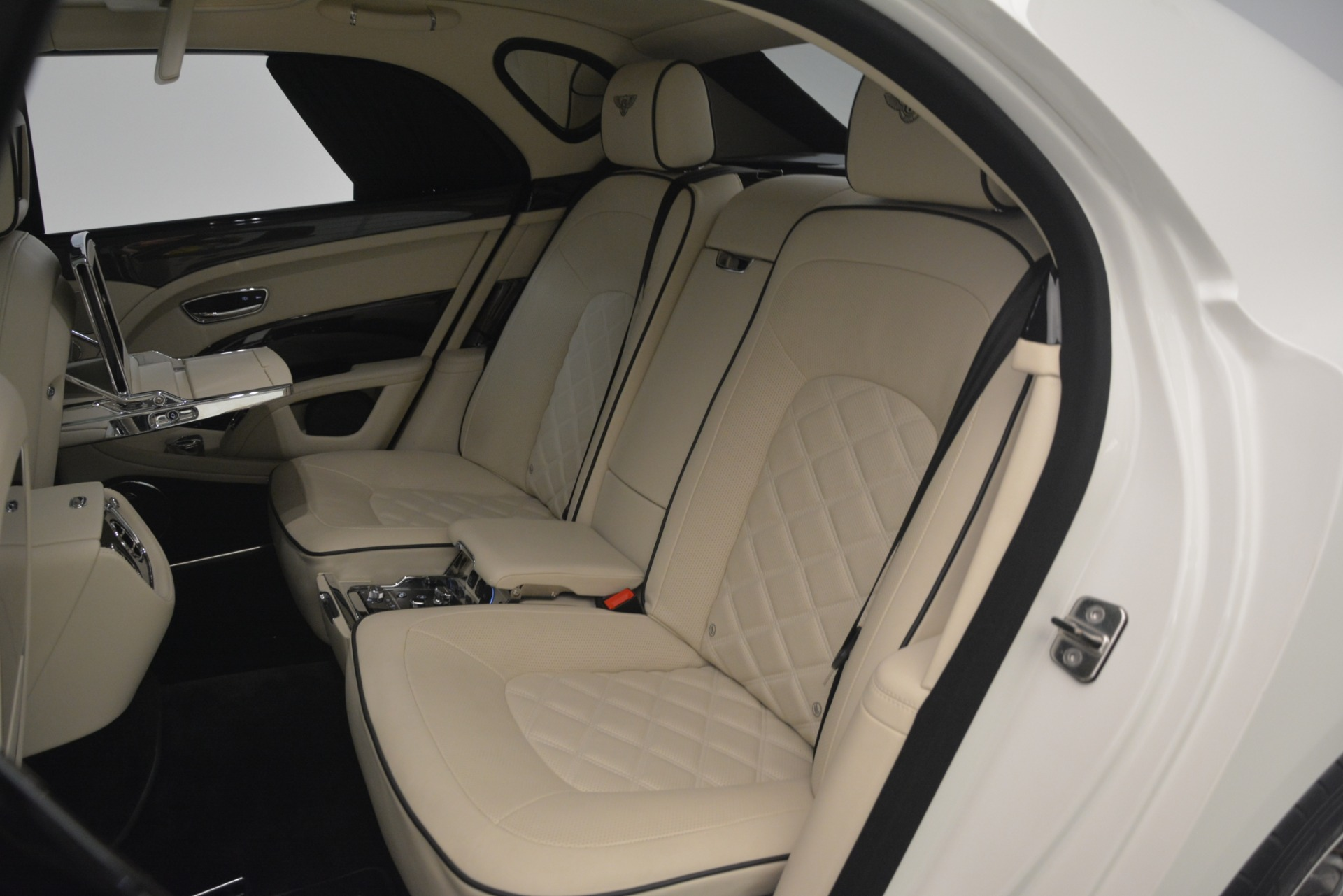 Used 2016 Bentley Mulsanne Speed For Sale In Greenwich, CT. Alfa Romeo of Greenwich, 7491 2960_p28