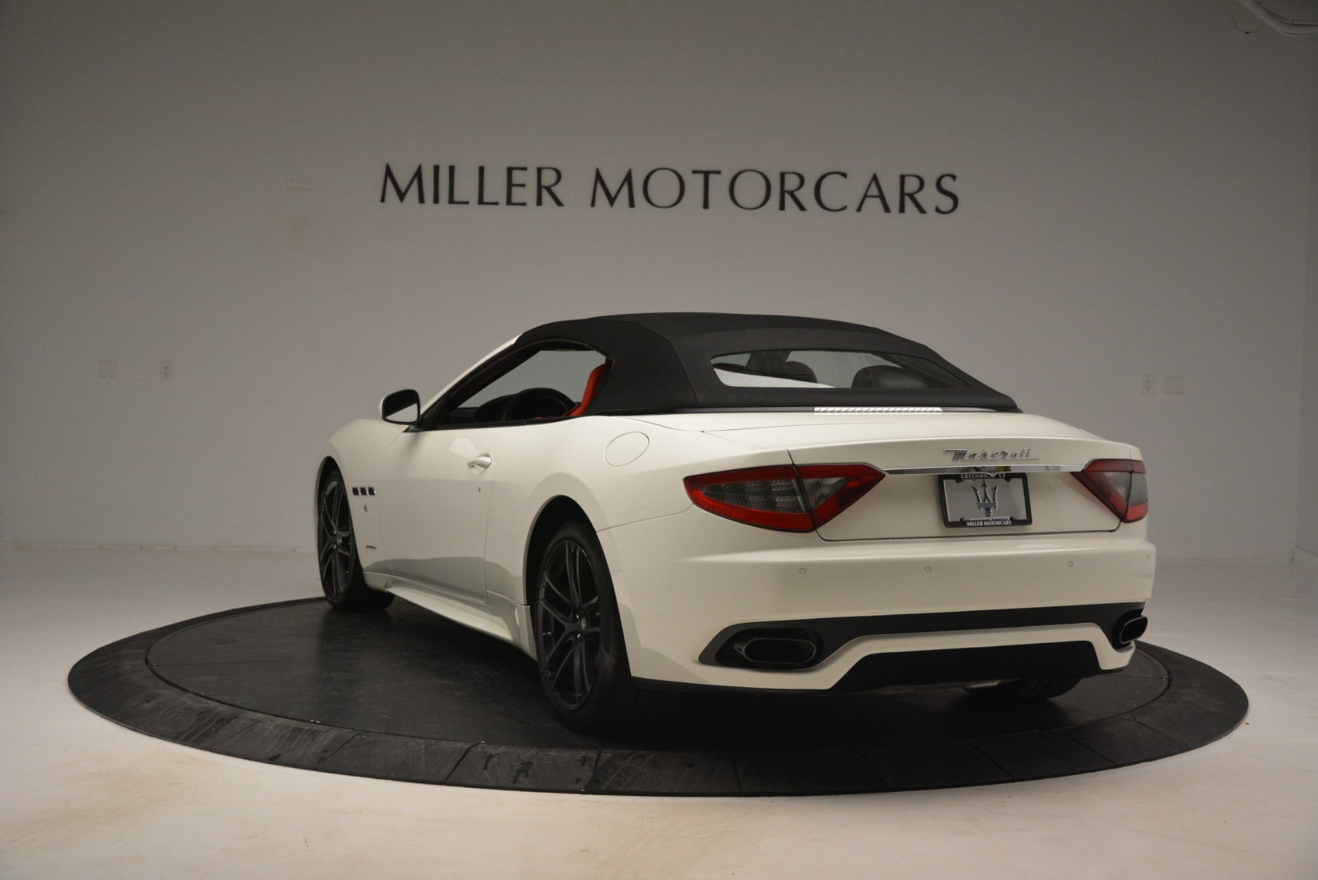 Used 2017 Maserati GranTurismo Sport For Sale In Greenwich, CT. Alfa Romeo of Greenwich, 7488 2962_p17
