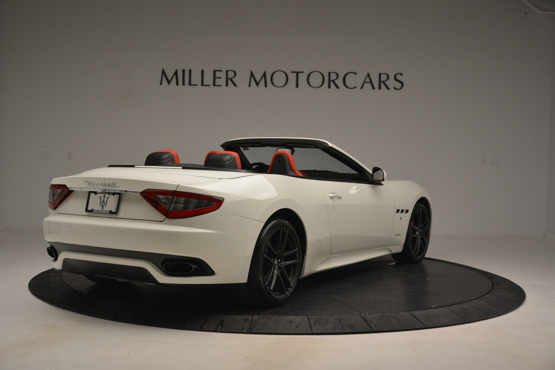 Used 2017 Maserati GranTurismo Sport For Sale In Greenwich, CT. Alfa Romeo of Greenwich, 7488 2962_p7
