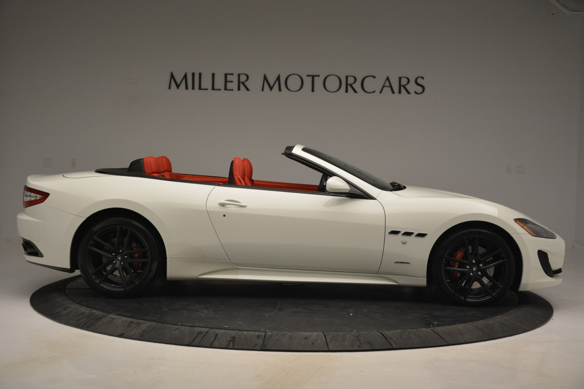 Used 2017 Maserati GranTurismo Sport For Sale In Greenwich, CT. Alfa Romeo of Greenwich, 7488 2962_p9