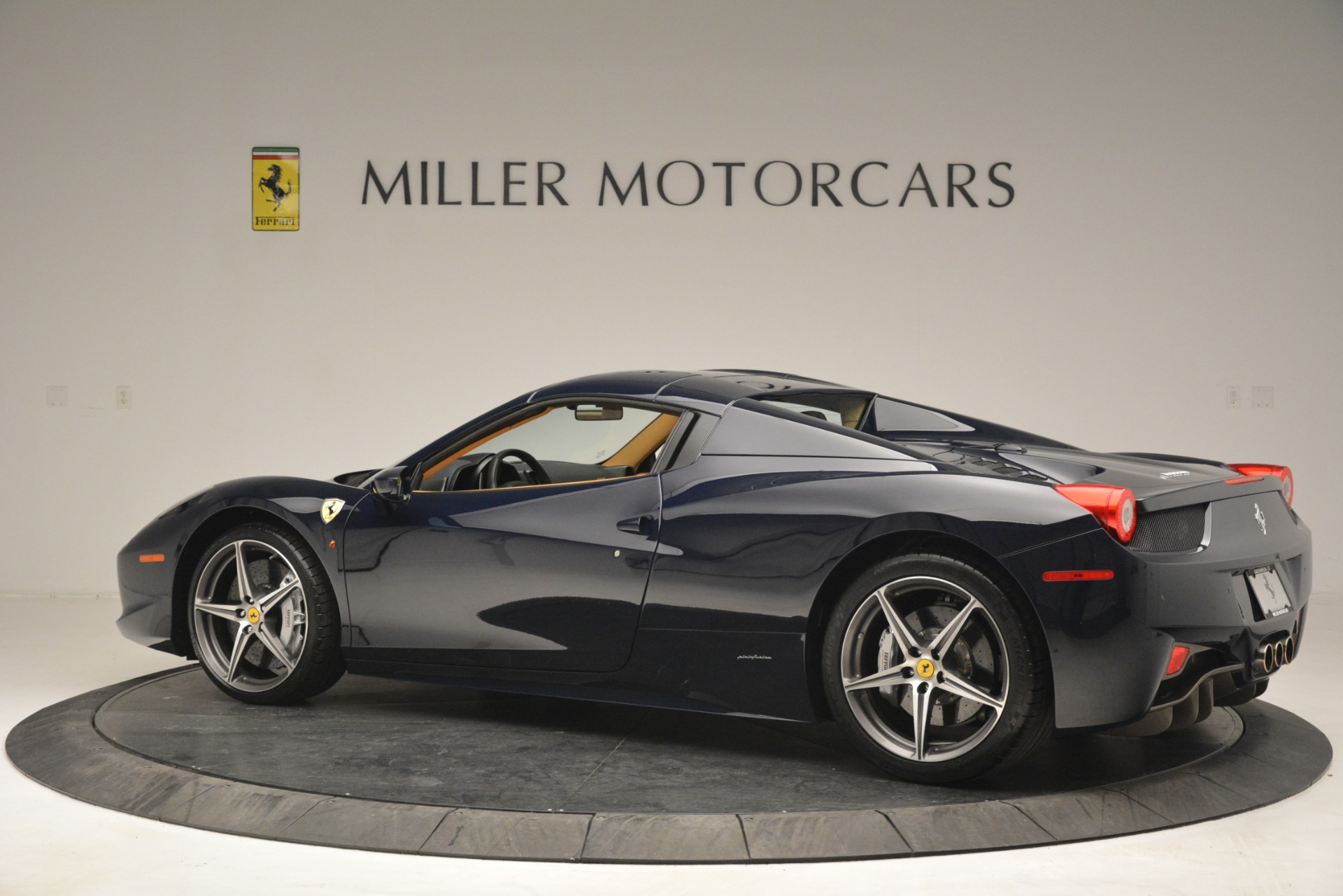 Used 2014 Ferrari 458 Spider  For Sale In Greenwich, CT. Alfa Romeo of Greenwich, 4513 2964_p16