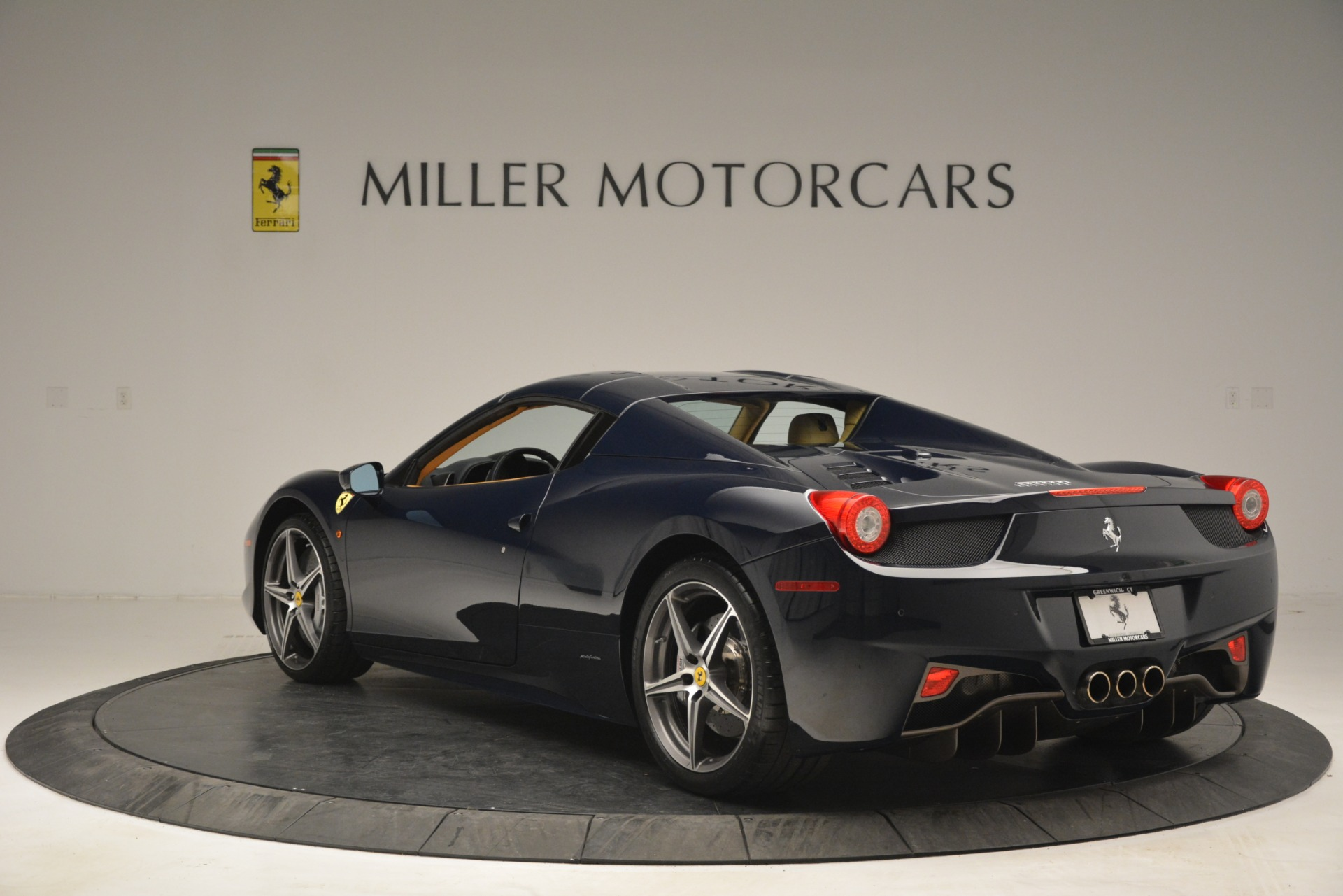Used 2014 Ferrari 458 Spider  For Sale In Greenwich, CT. Alfa Romeo of Greenwich, 4513 2964_p17