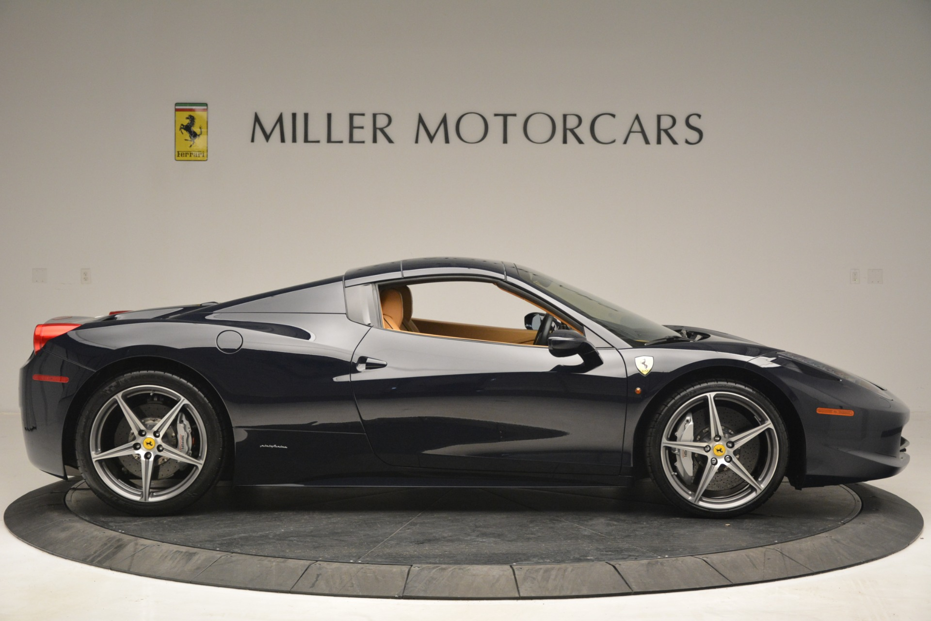 Used 2014 Ferrari 458 Spider  For Sale In Greenwich, CT. Alfa Romeo of Greenwich, 4513 2964_p21