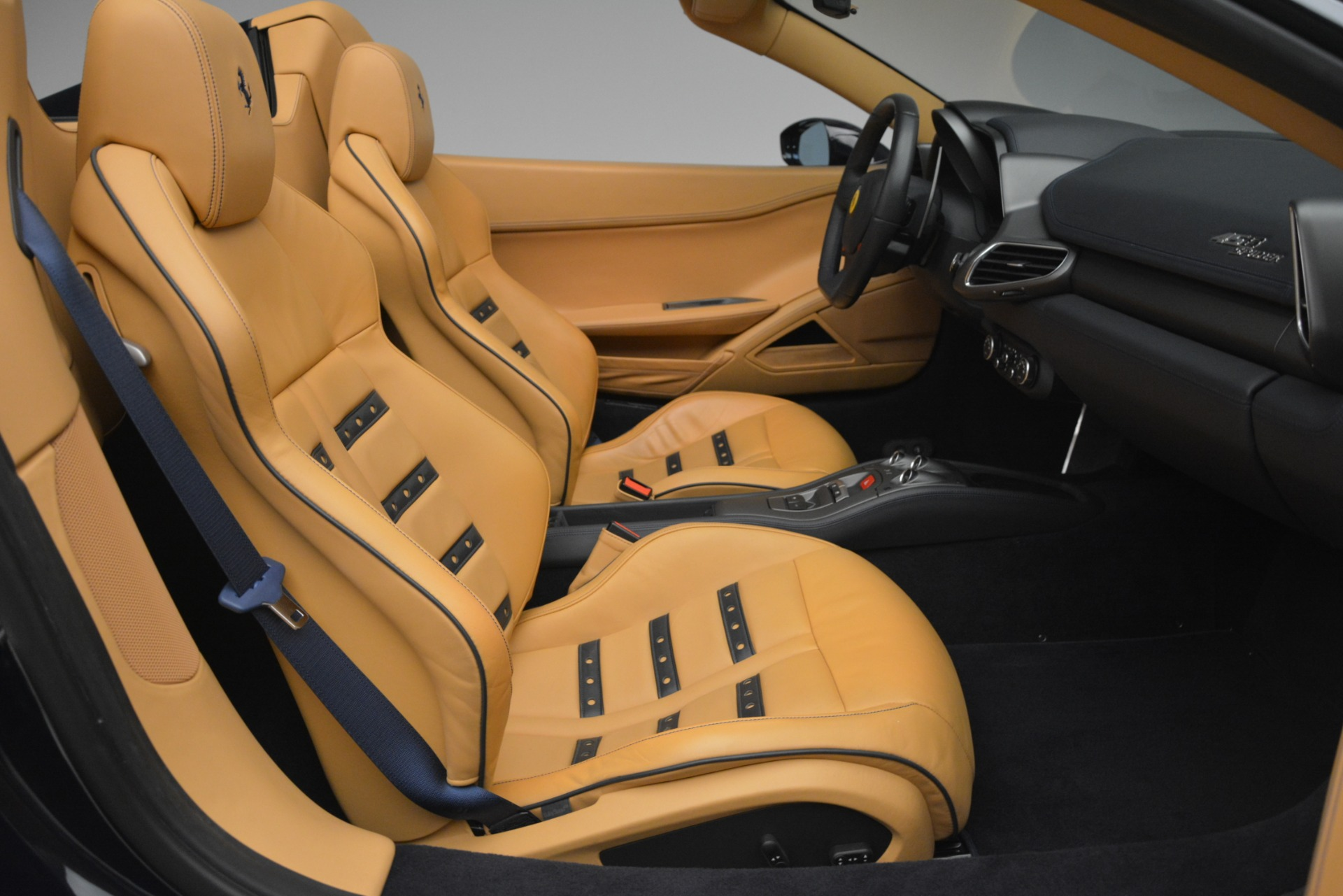 Used 2014 Ferrari 458 Spider  For Sale In Greenwich, CT. Alfa Romeo of Greenwich, 4513 2964_p30
