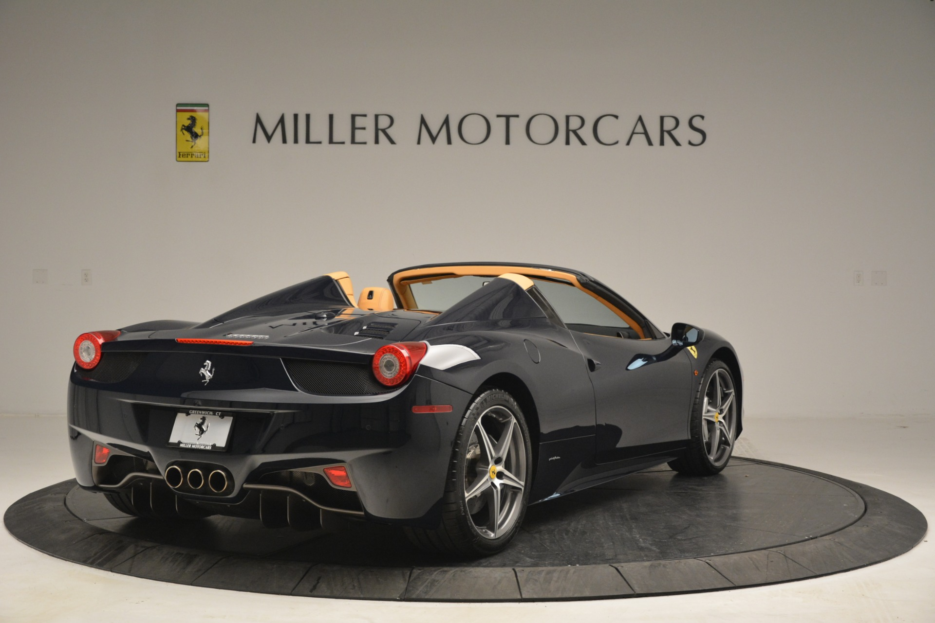 Used 2014 Ferrari 458 Spider  For Sale In Greenwich, CT. Alfa Romeo of Greenwich, 4513 2964_p7