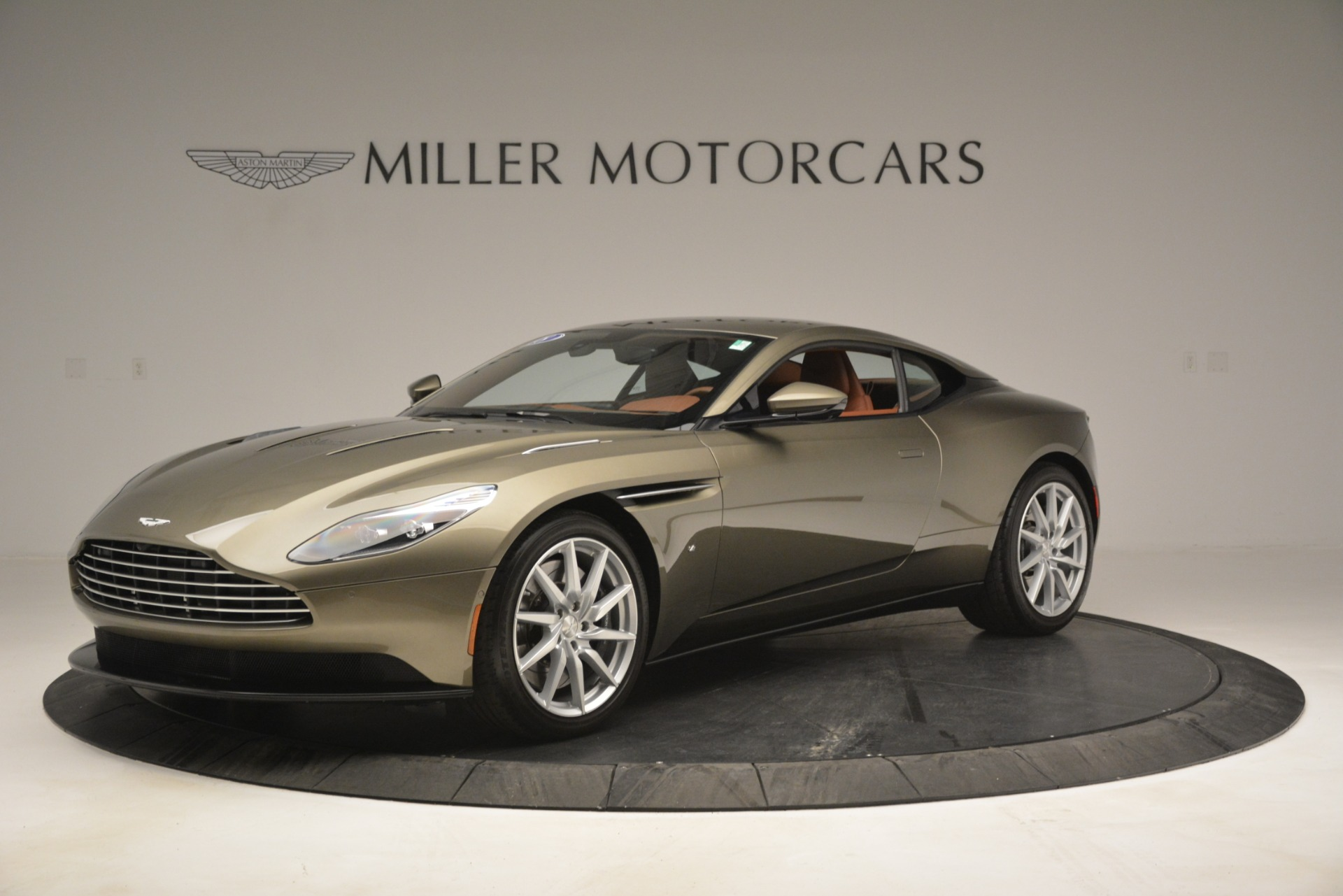 Used 2018 Aston Martin DB11 V12 Coupe For Sale In Greenwich, CT. Alfa Romeo of Greenwich, 7497