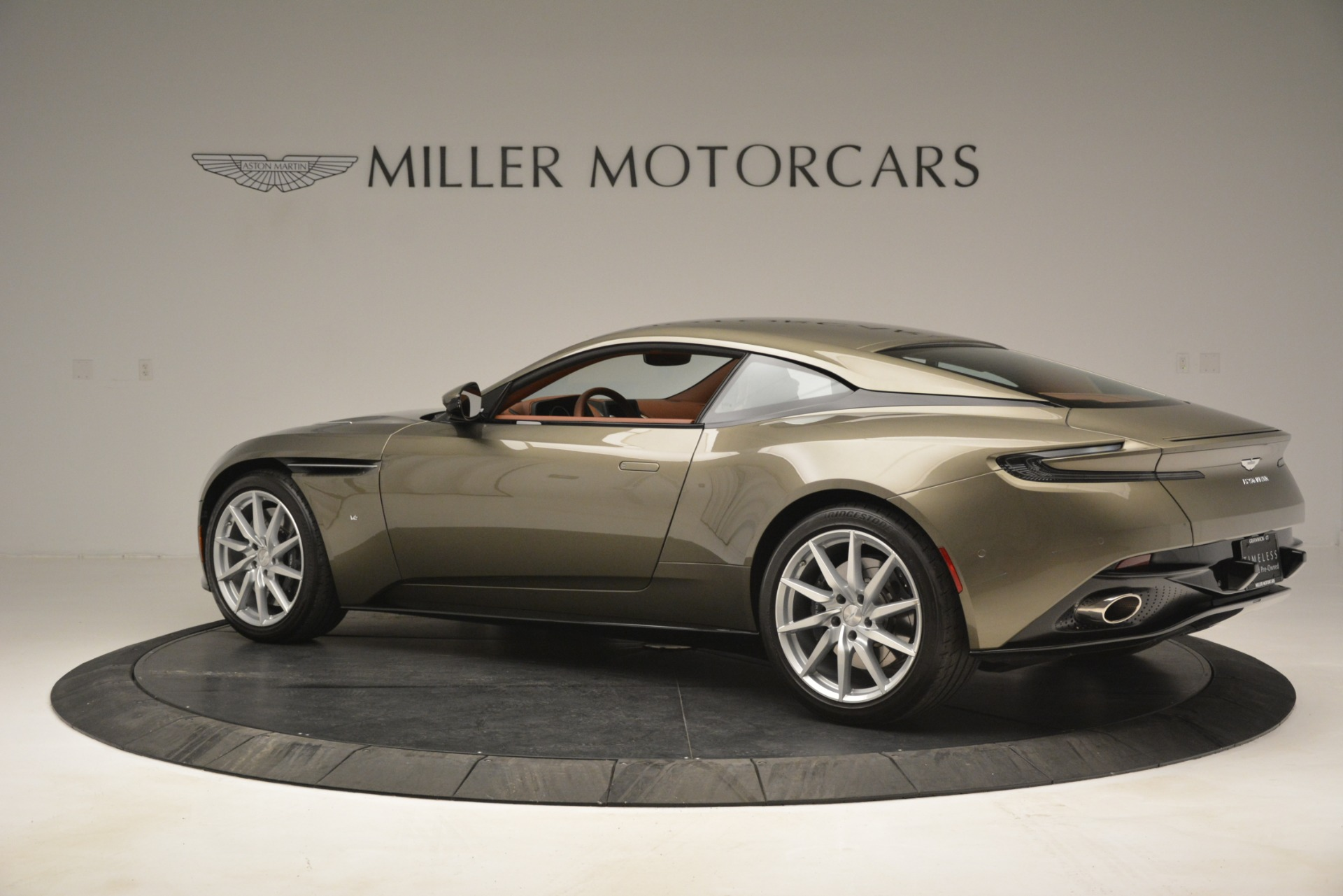 Used 2018 Aston Martin DB11 V12 Coupe For Sale In Greenwich, CT. Alfa Romeo of Greenwich, 7497 2970_p4