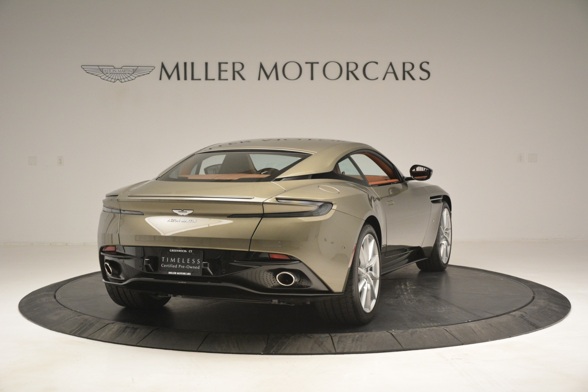 Used 2018 Aston Martin DB11 V12 Coupe For Sale In Greenwich, CT. Alfa Romeo of Greenwich, 7497 2970_p7