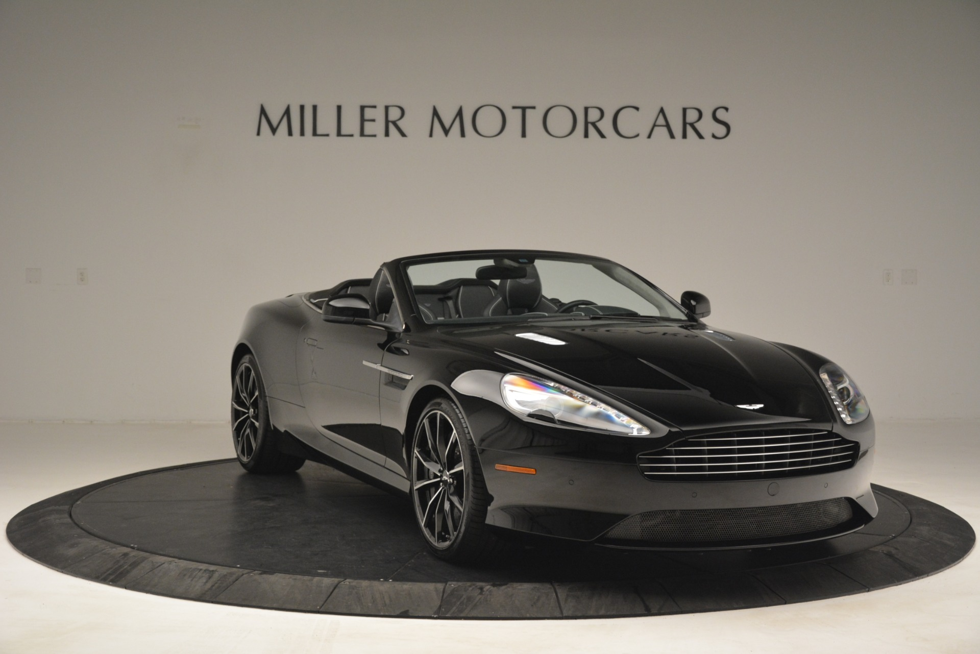 Used 2016 Aston Martin DB9 Convertible For Sale In Greenwich, CT. Alfa Romeo of Greenwich, 7495 2971_p11