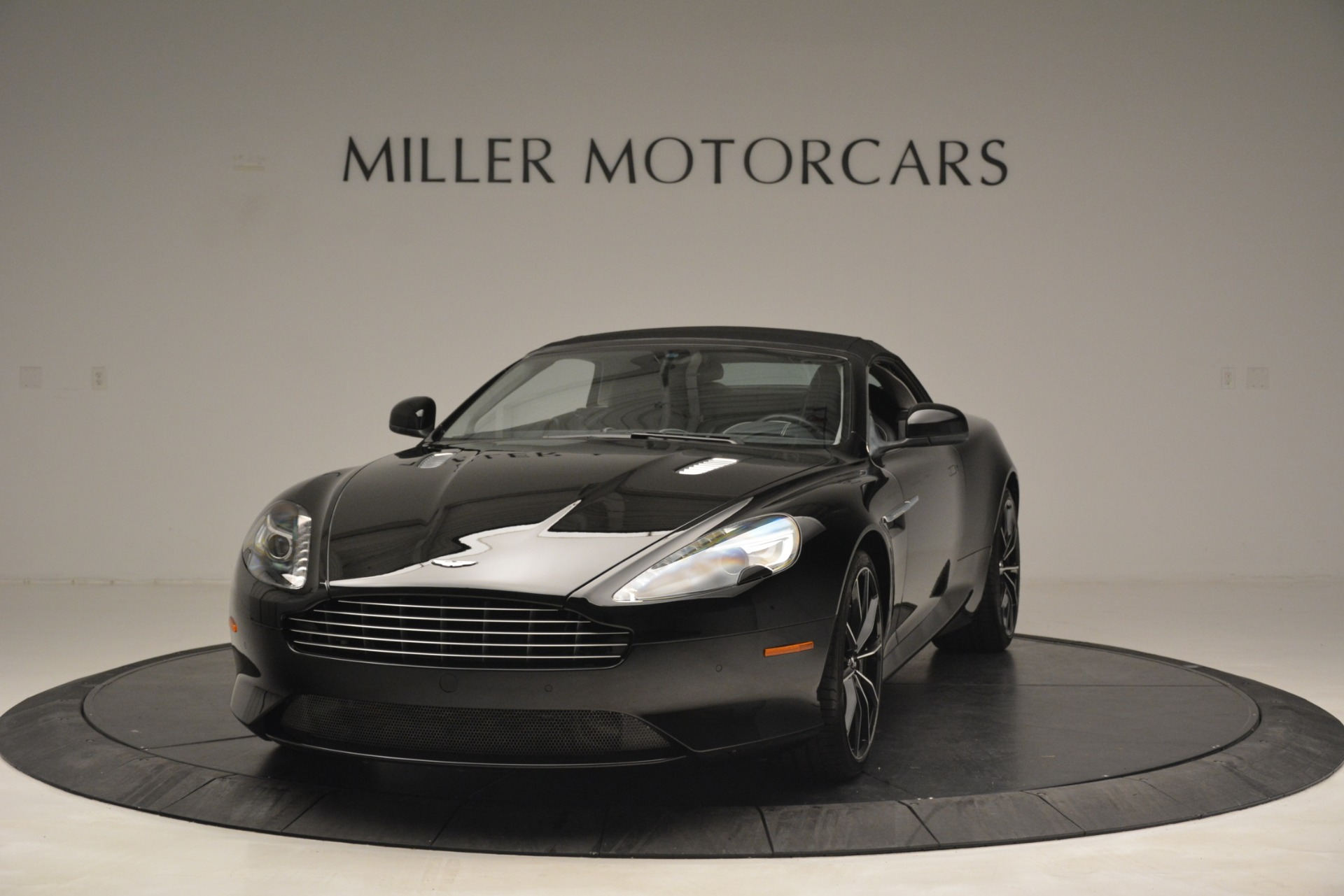 Used 2016 Aston Martin DB9 Convertible For Sale In Greenwich, CT. Alfa Romeo of Greenwich, 7495 2971_p23