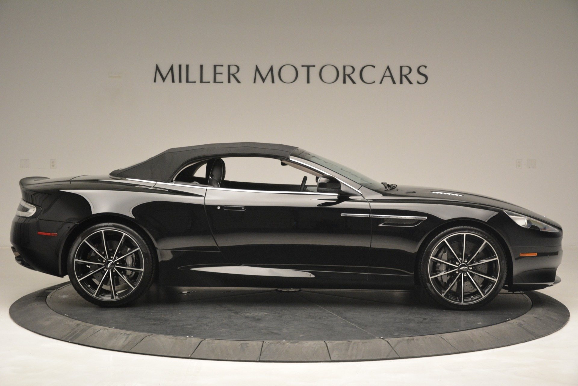 Used 2016 Aston Martin DB9 Convertible For Sale In Greenwich, CT. Alfa Romeo of Greenwich, 7495 2971_p31