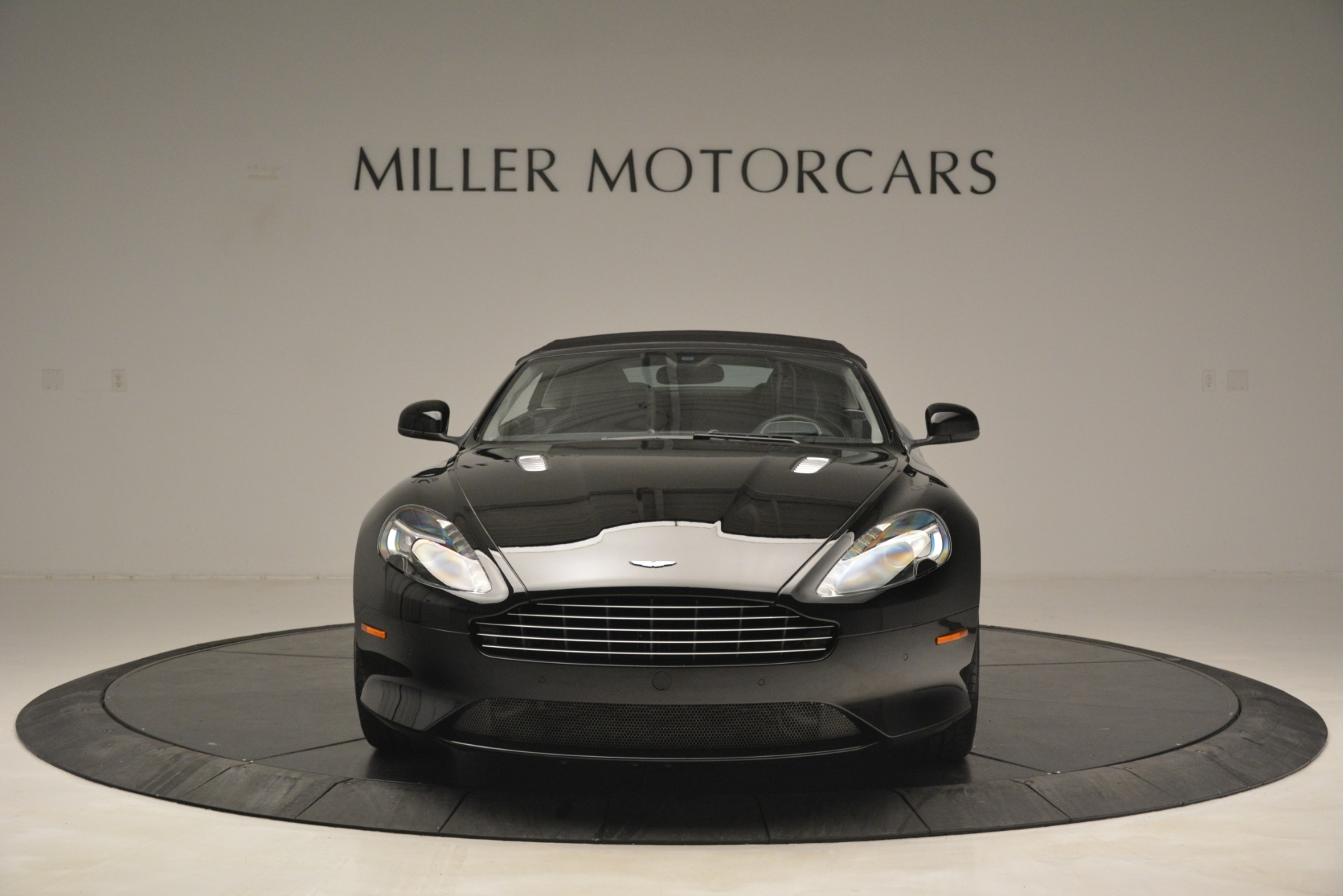 Used 2016 Aston Martin DB9 Convertible For Sale In Greenwich, CT. Alfa Romeo of Greenwich, 7495 2971_p34