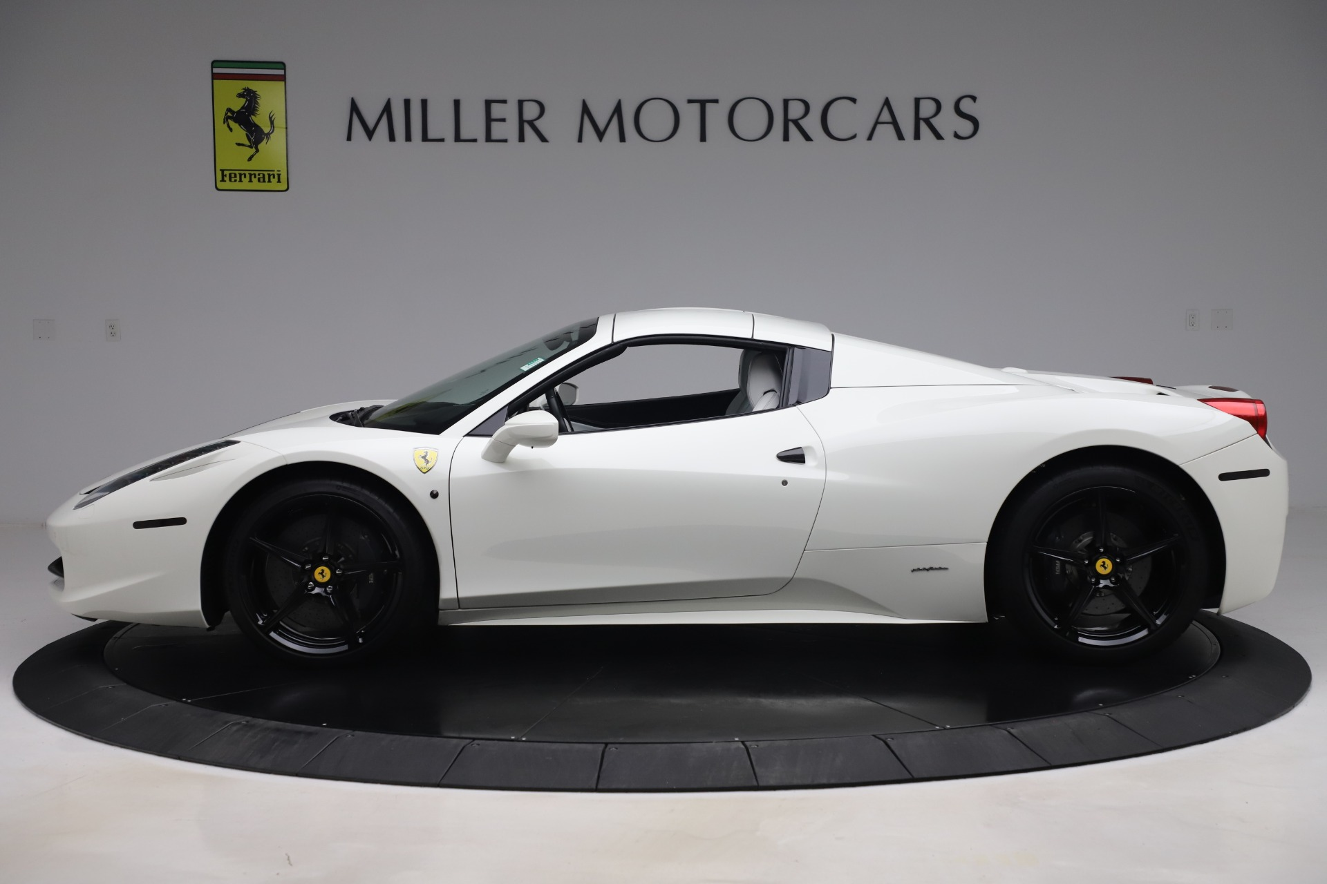 Used 2015 Ferrari 458 Spider  For Sale In Greenwich, CT. Alfa Romeo of Greenwich, 4540 2979_p14