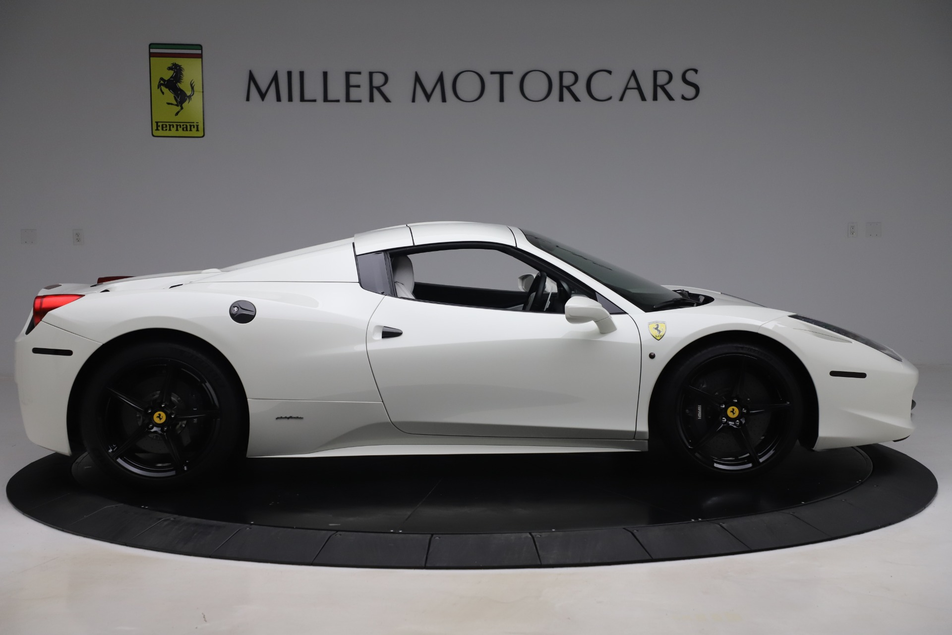 Used 2015 Ferrari 458 Spider  For Sale In Greenwich, CT. Alfa Romeo of Greenwich, 4540 2979_p15