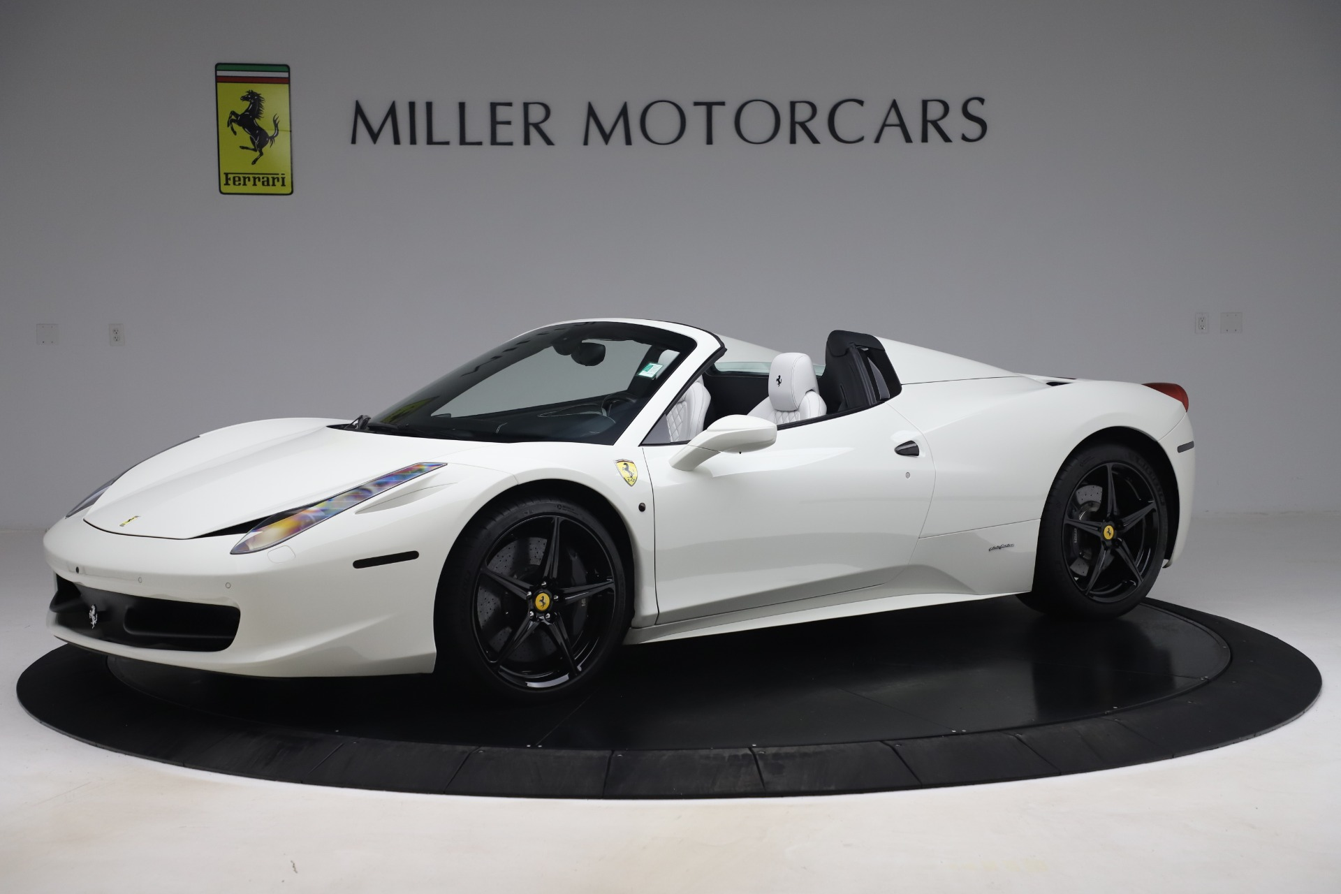 Used 2015 Ferrari 458 Spider  For Sale In Greenwich, CT. Alfa Romeo of Greenwich, 4540 2979_p2