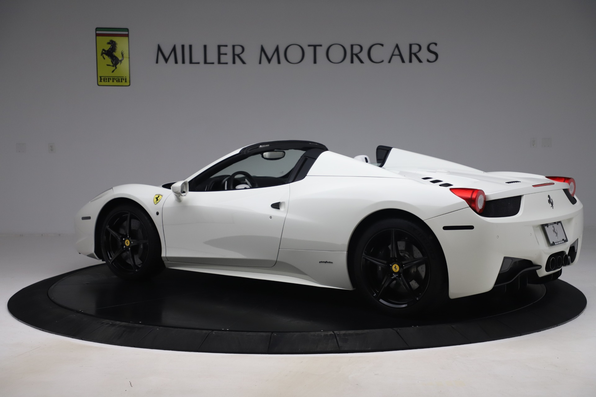 Used 2015 Ferrari 458 Spider  For Sale In Greenwich, CT. Alfa Romeo of Greenwich, 4540 2979_p4