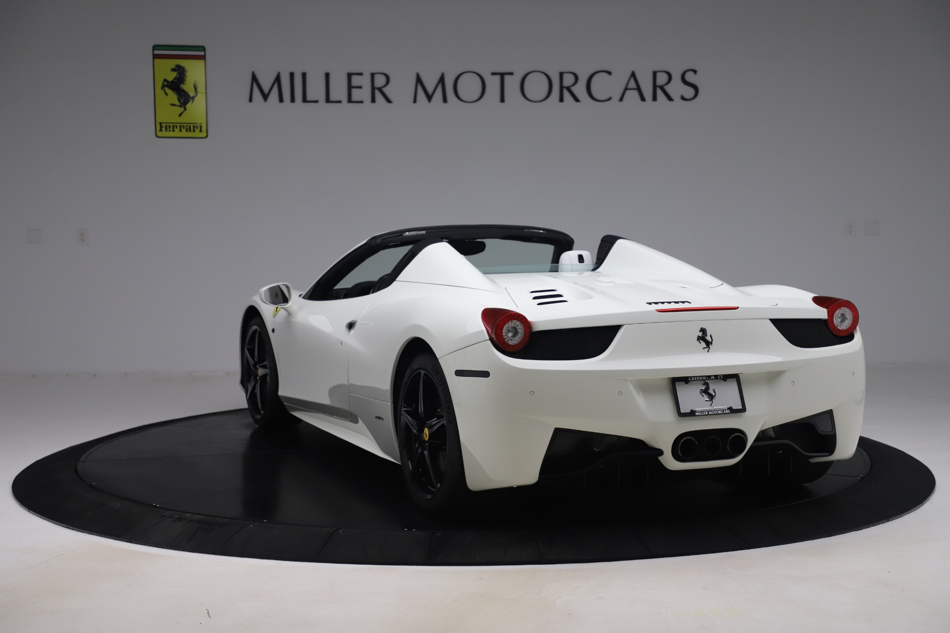Used 2015 Ferrari 458 Spider  For Sale In Greenwich, CT. Alfa Romeo of Greenwich, 4540 2979_p5