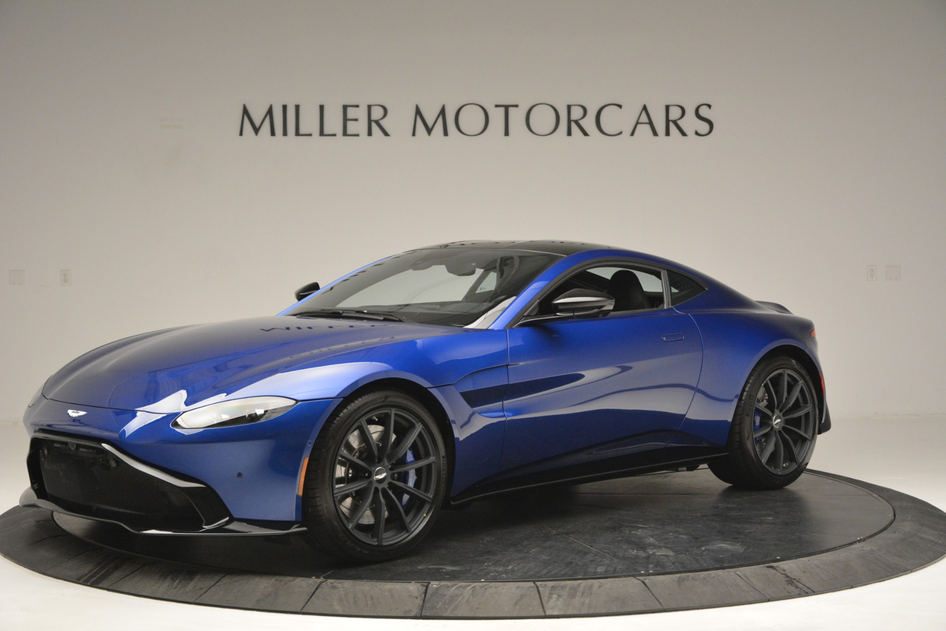 Used 2019 Aston Martin Vantage Coupe For Sale In Greenwich, CT. Alfa Romeo of Greenwich, A1353B 2981_main