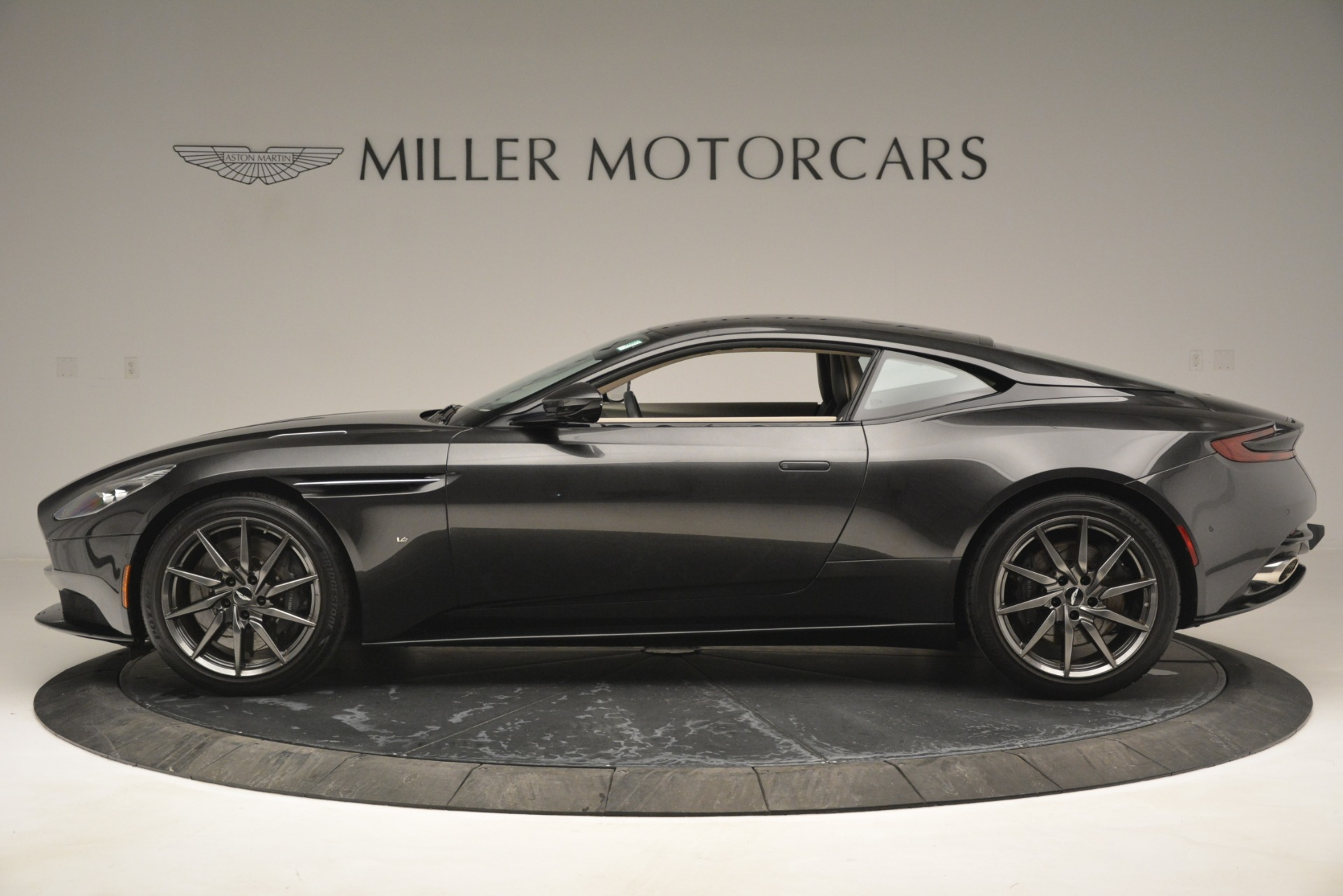 Used 2017 Aston Martin DB11 V12 Coupe For Sale In Greenwich, CT. Alfa Romeo of Greenwich, 7500 2988_p3