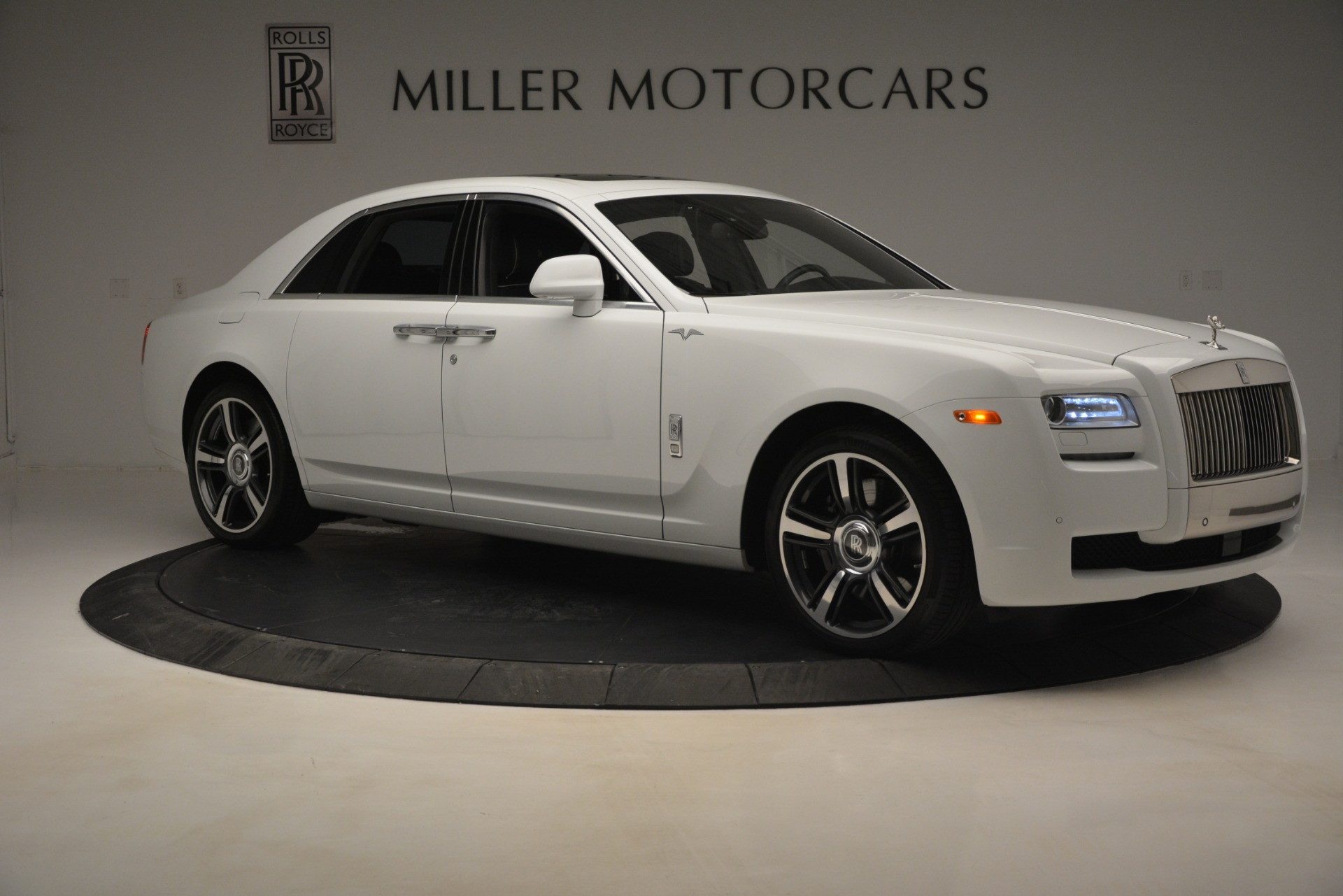 Used 2014 Rolls-Royce Ghost V-Spec For Sale In Greenwich, CT. Alfa Romeo of Greenwich, 7509 2989_p12