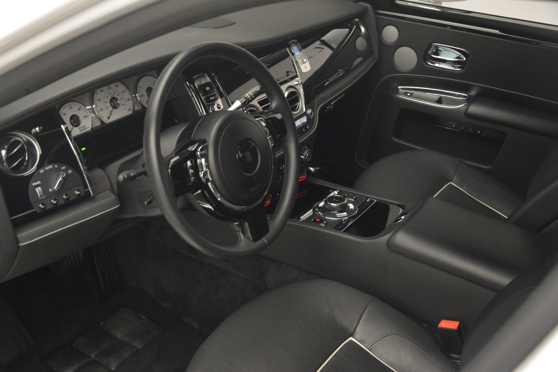Used 2014 Rolls-Royce Ghost V-Spec For Sale In Greenwich, CT. Alfa Romeo of Greenwich, 7509 2989_p14