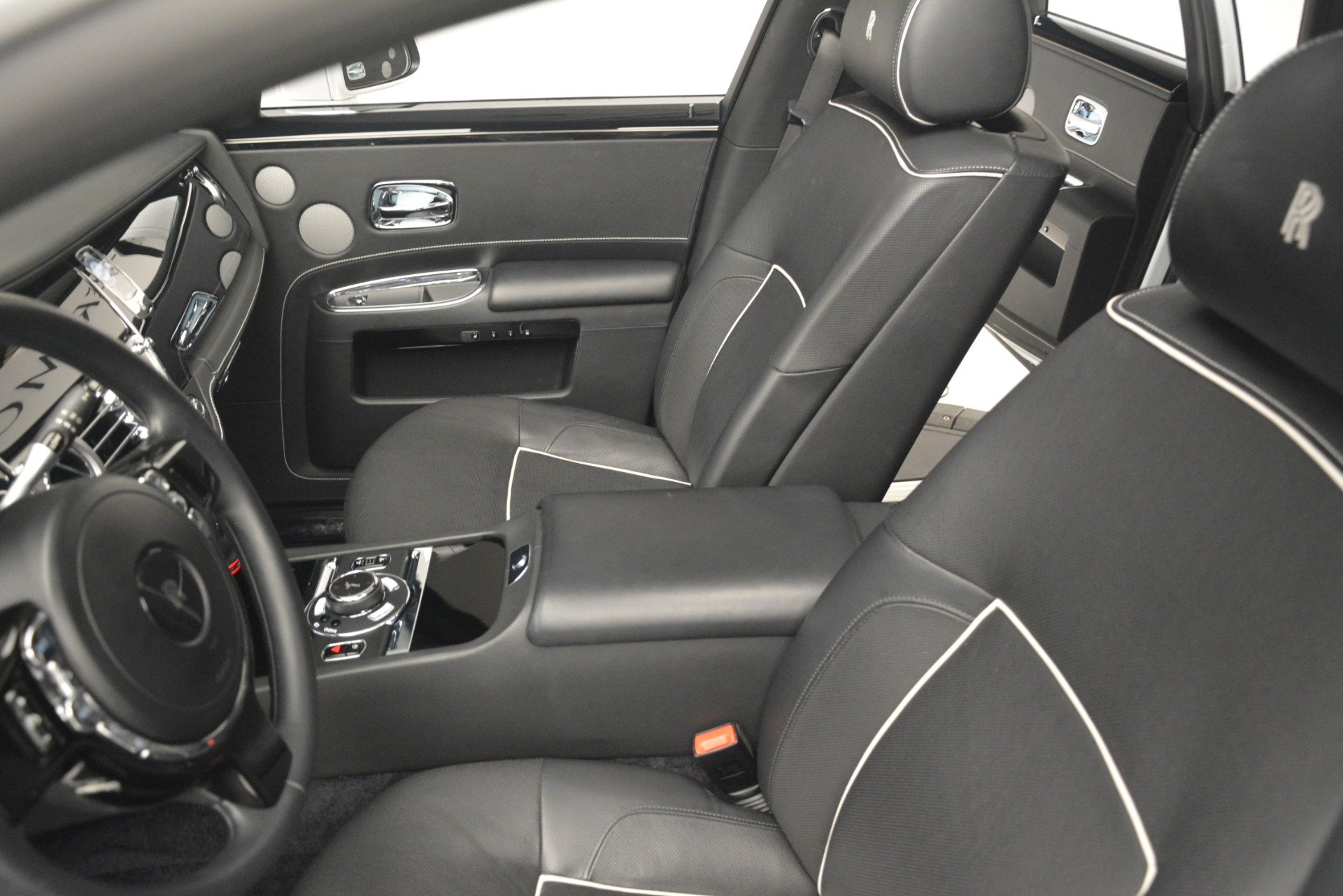 Used 2014 Rolls-Royce Ghost V-Spec For Sale In Greenwich, CT. Alfa Romeo of Greenwich, 7509 2989_p17