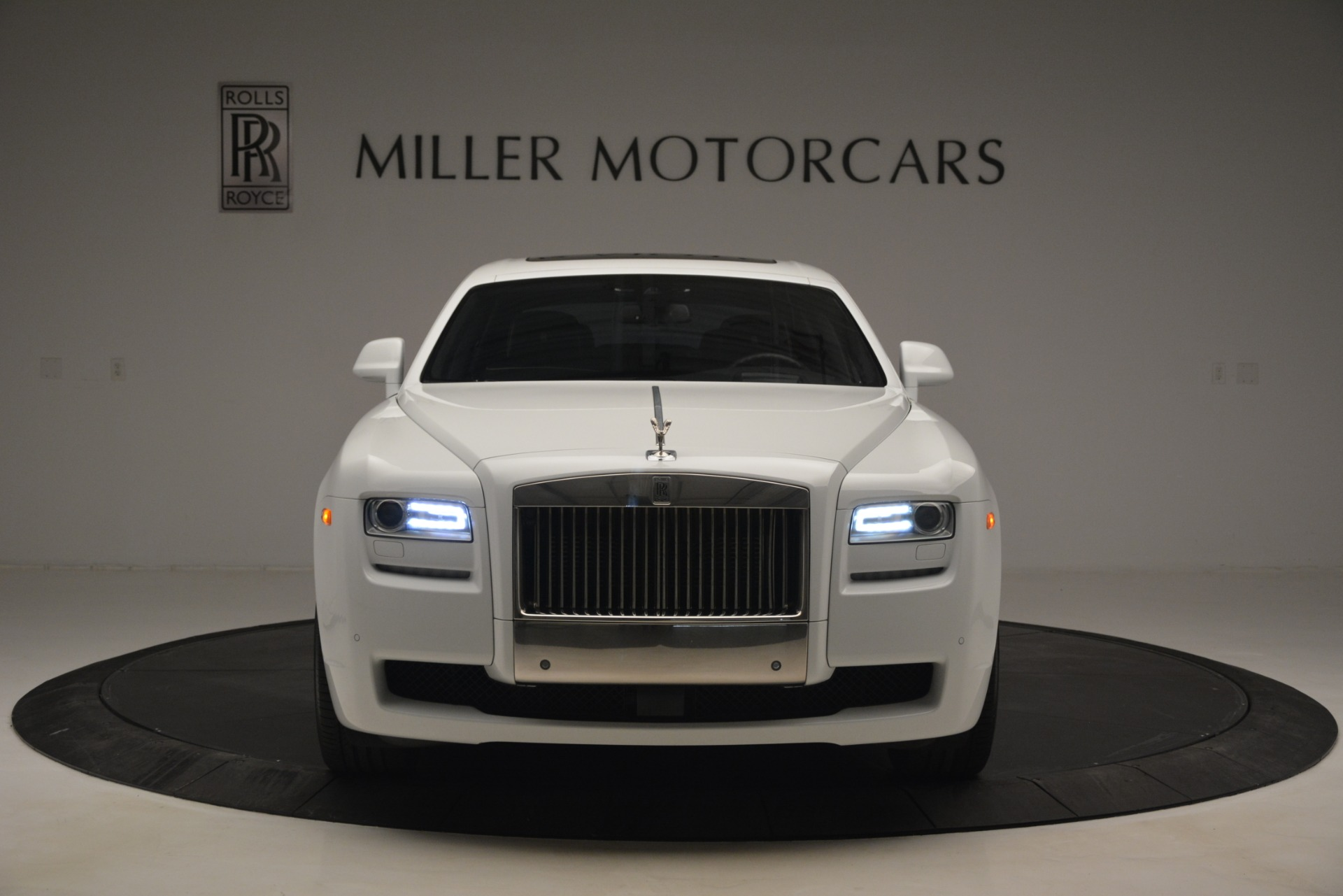 Used 2014 Rolls-Royce Ghost V-Spec For Sale In Greenwich, CT. Alfa Romeo of Greenwich, 7509 2989_p2