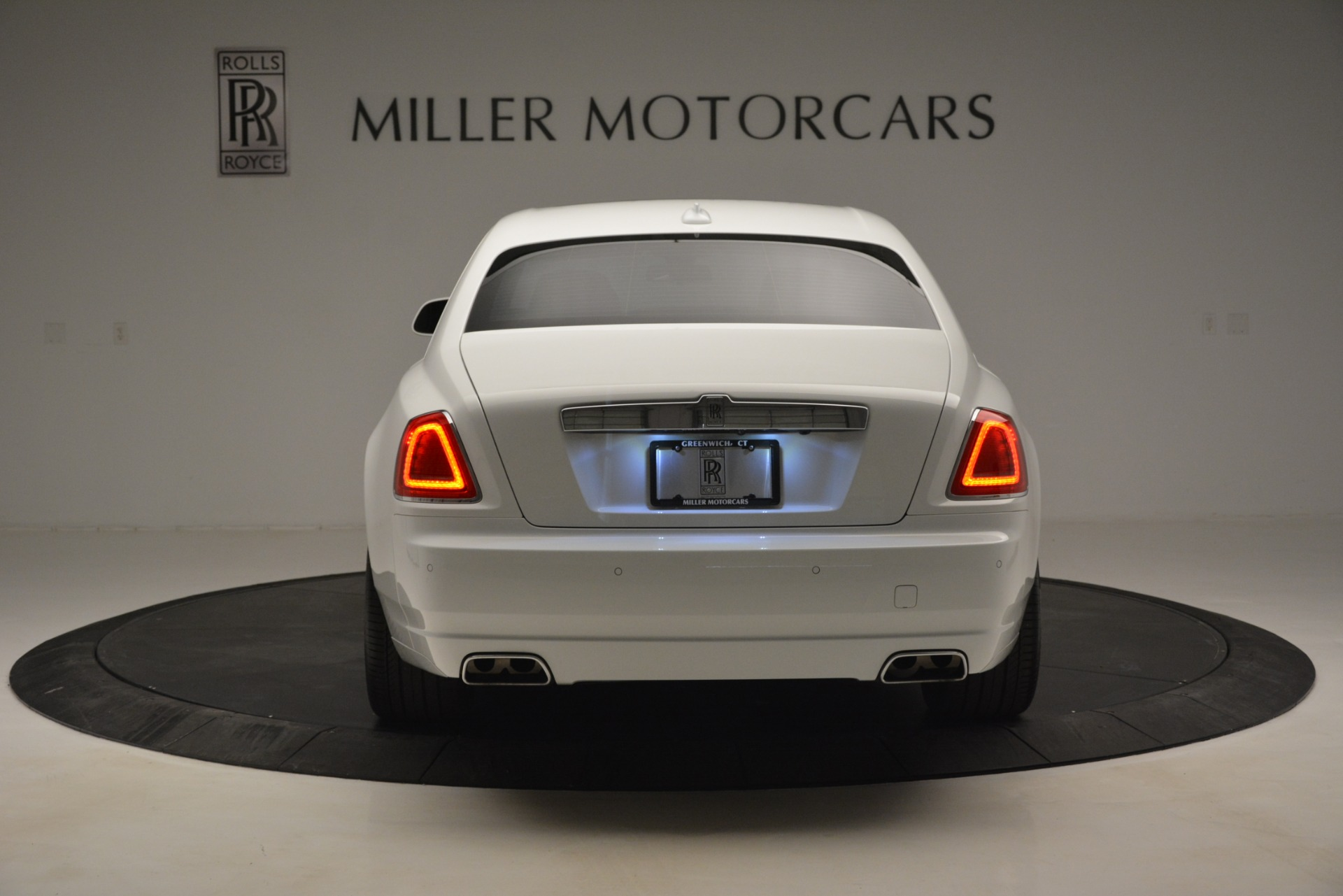 Used 2014 Rolls-Royce Ghost V-Spec For Sale In Greenwich, CT. Alfa Romeo of Greenwich, 7509 2989_p7