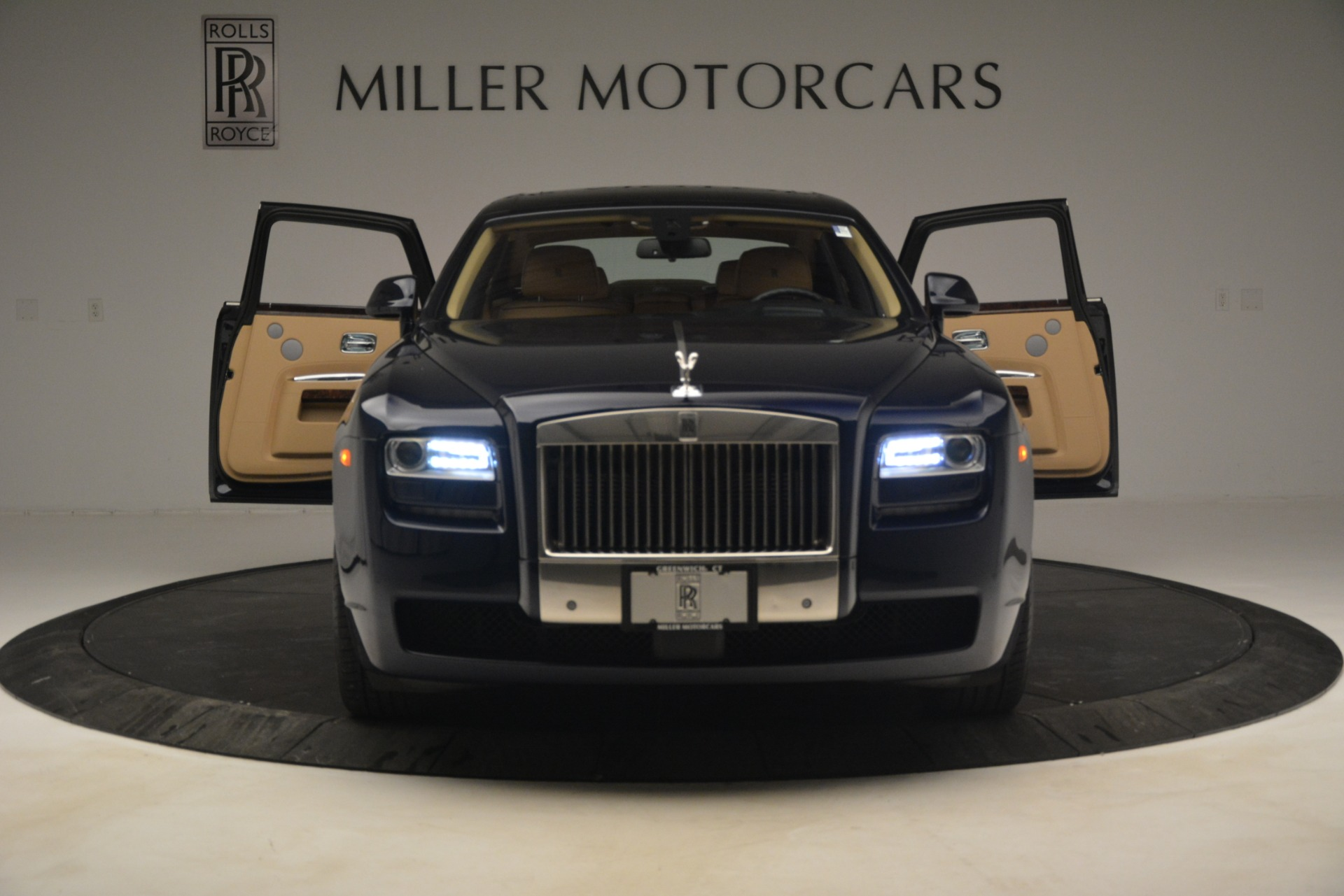 Used 2014 Rolls-Royce Ghost  For Sale In Greenwich, CT. Alfa Romeo of Greenwich, 7508 2990_p13