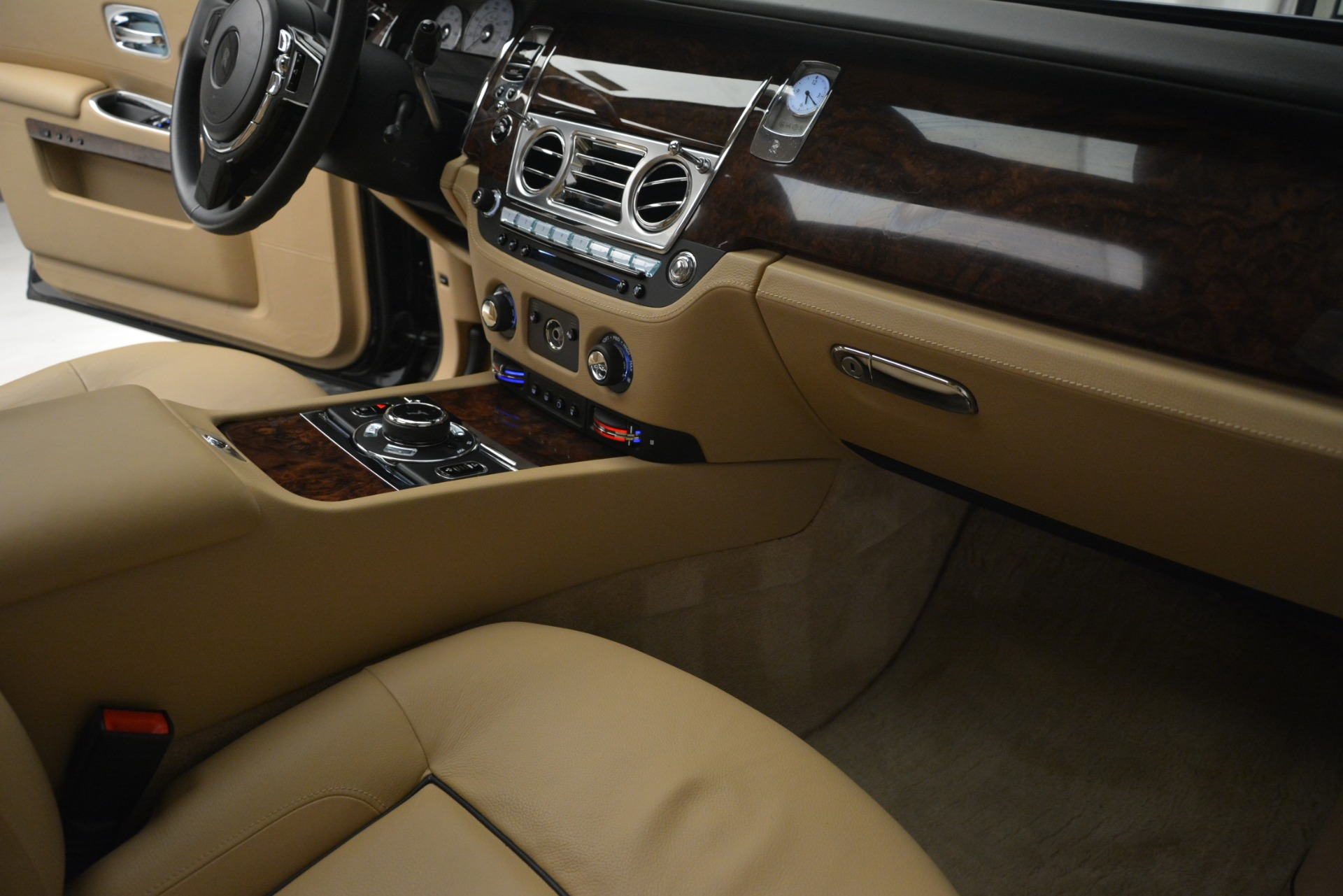 Used 2014 Rolls-Royce Ghost  For Sale In Greenwich, CT. Alfa Romeo of Greenwich, 7508 2990_p26