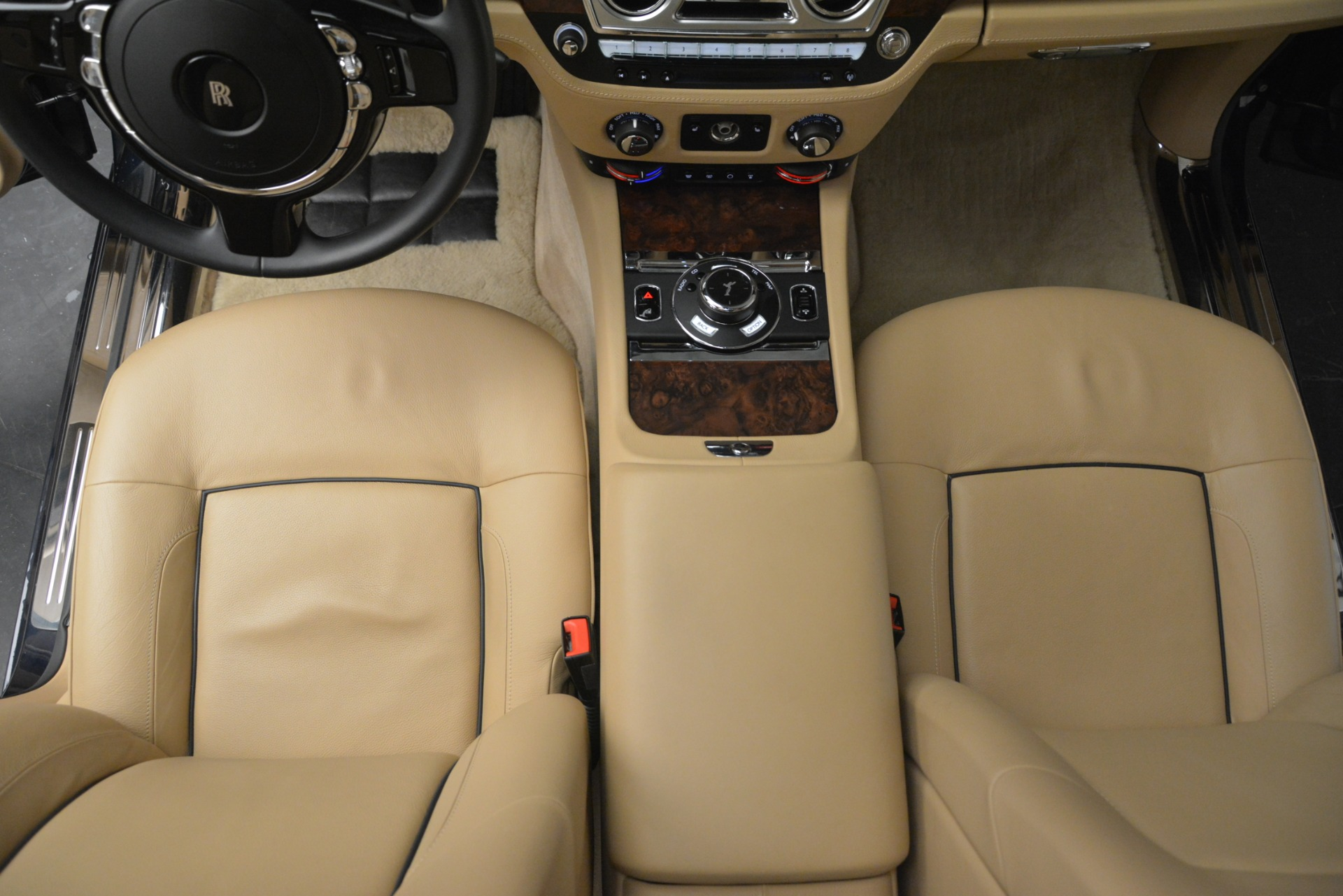 Used 2014 Rolls-Royce Ghost  For Sale In Greenwich, CT. Alfa Romeo of Greenwich, 7508 2990_p27