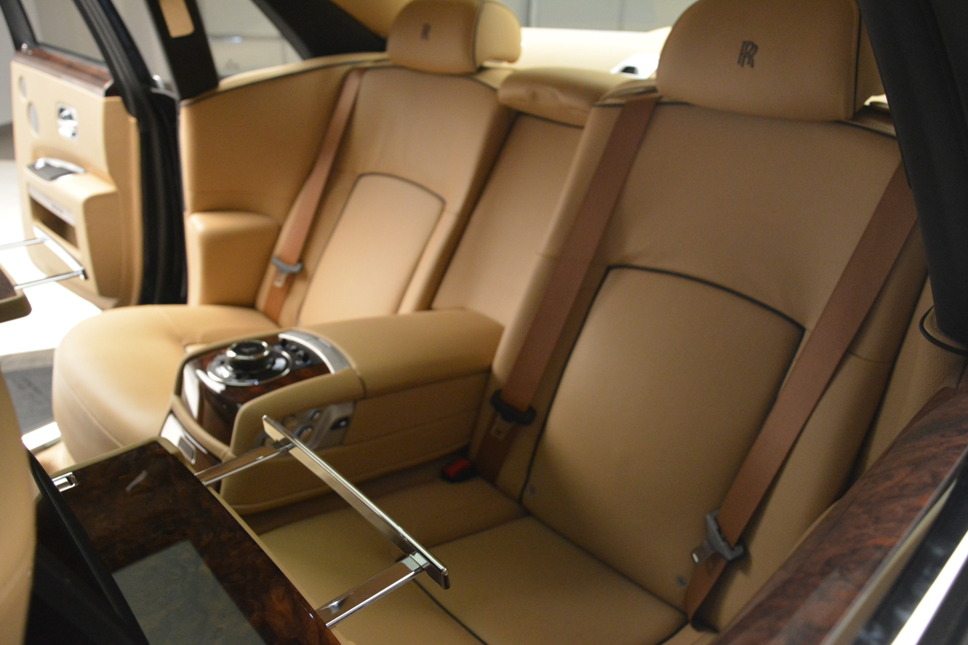 Used 2014 Rolls-Royce Ghost  For Sale In Greenwich, CT. Alfa Romeo of Greenwich, 7508 2990_p32