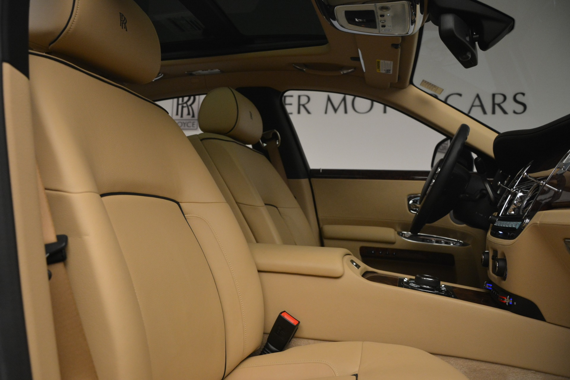 Used 2014 Rolls-Royce Ghost  For Sale In Greenwich, CT. Alfa Romeo of Greenwich, 7508 2990_p34