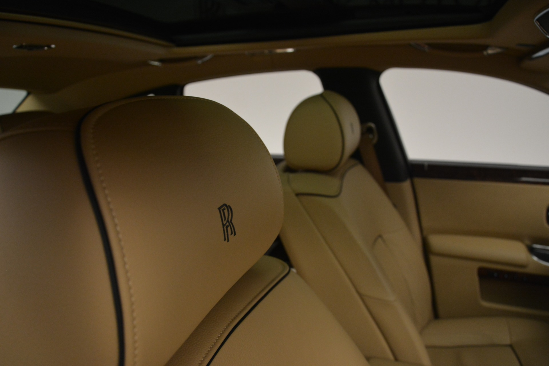 Used 2014 Rolls-Royce Ghost  For Sale In Greenwich, CT. Alfa Romeo of Greenwich, 7508 2990_p35