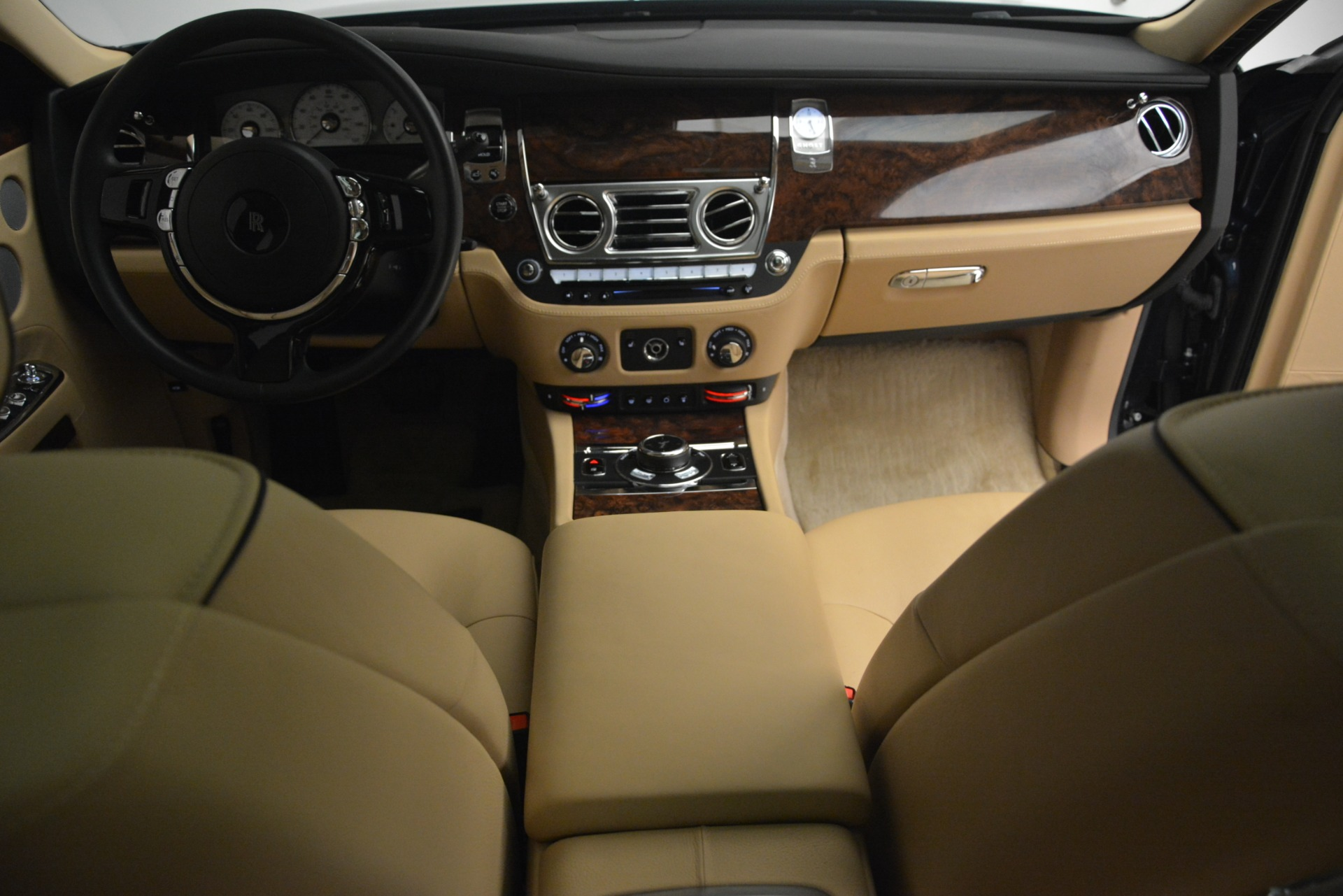 Used 2014 Rolls-Royce Ghost  For Sale In Greenwich, CT. Alfa Romeo of Greenwich, 7508 2990_p39